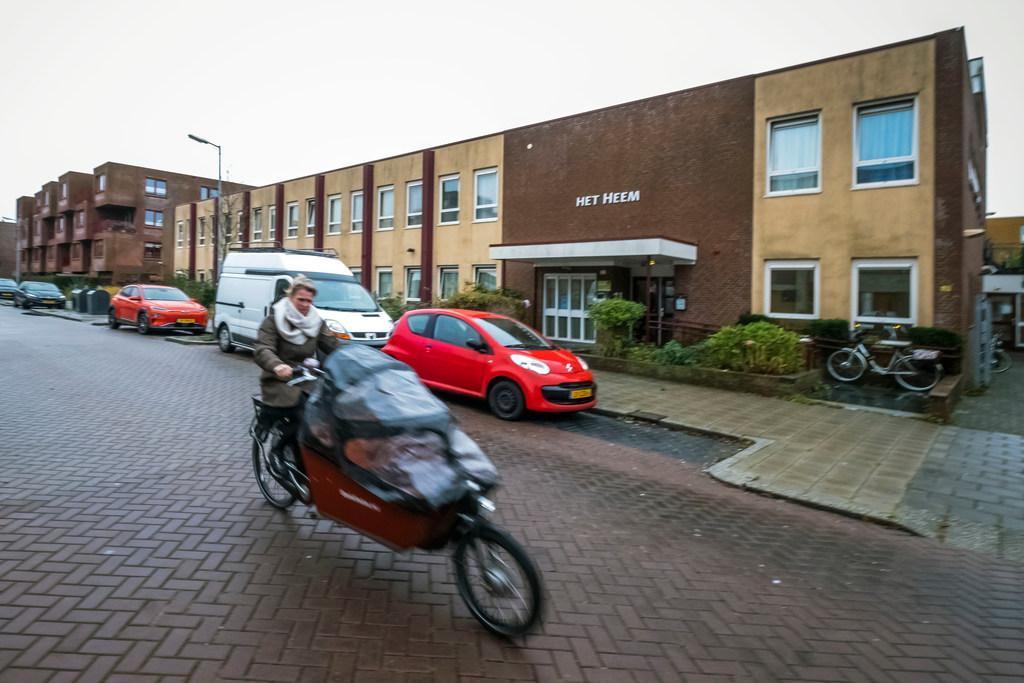 Experiment: dakloze jongeren in Alkmaar krijgen 10 mille om leven op de rit te krijgen