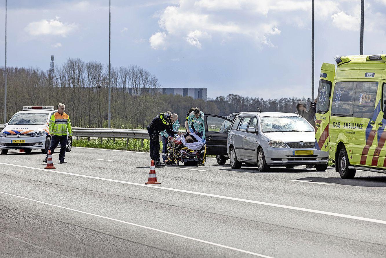 Gewonde bij ongeluk op de A9 bij Spaarndam; file richting Alkmaar
