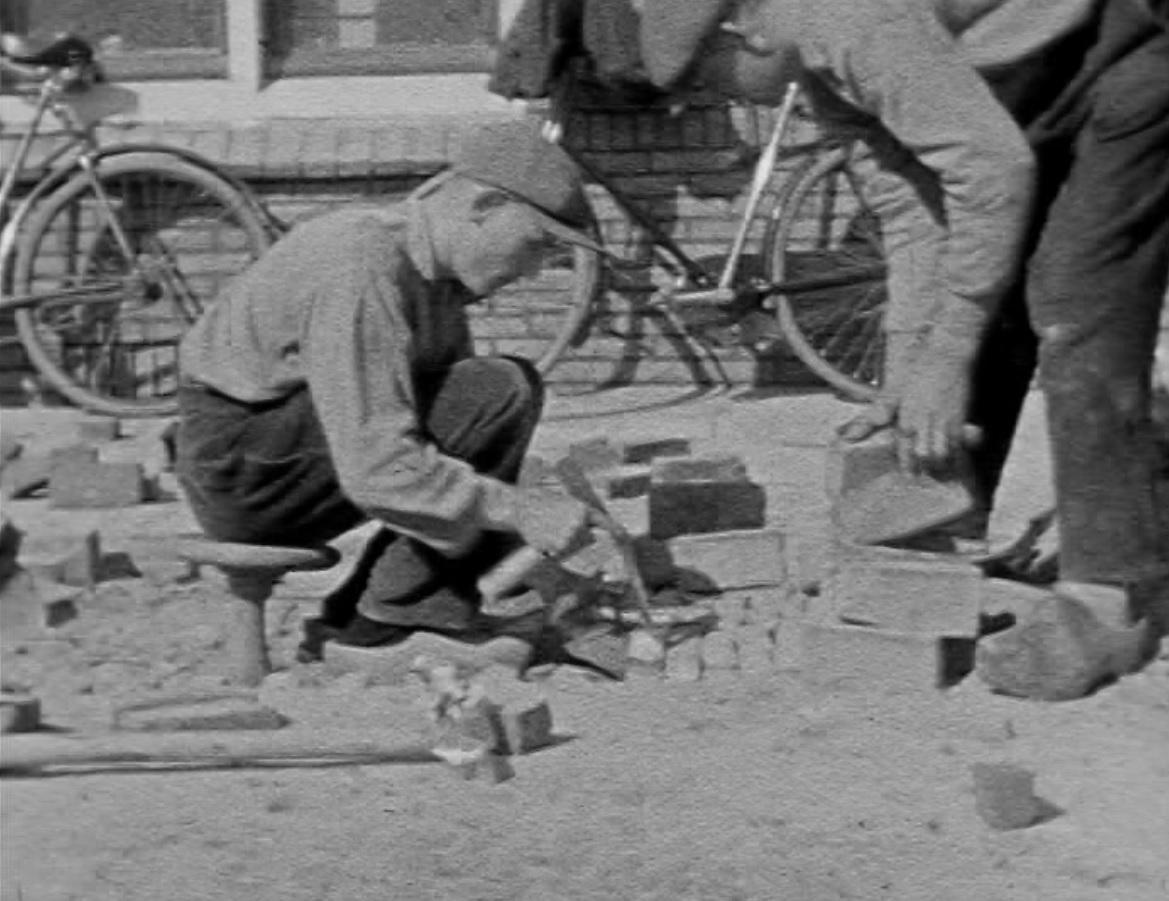 Bewegend Verleden: de stratenmakers van de Alkmaarse wijk Rochdale, begin jaren '20 [video]