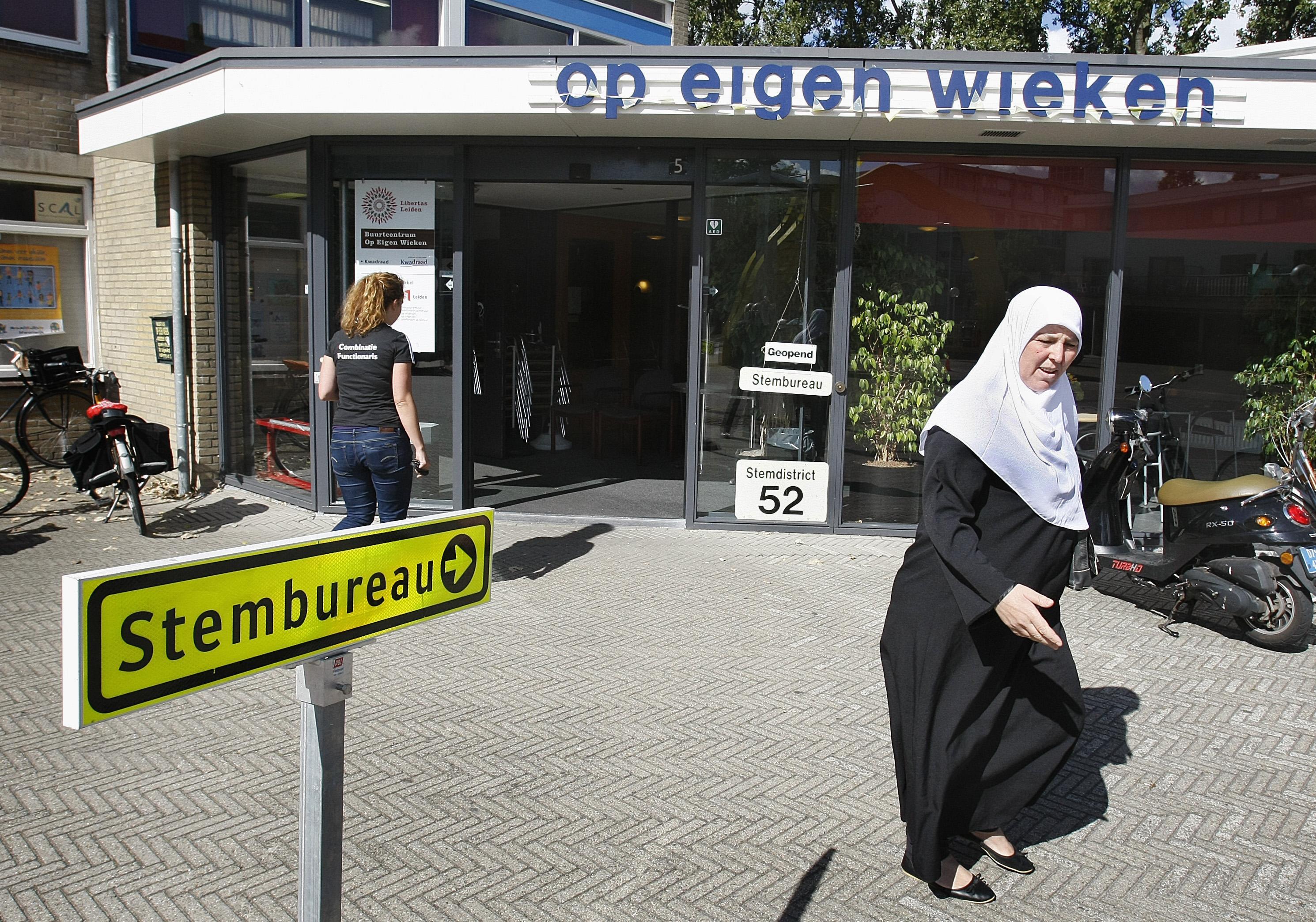 Veel nieuwe stembureaus in Leiden nodig, om mogelijke besmettingen tegen te gaan