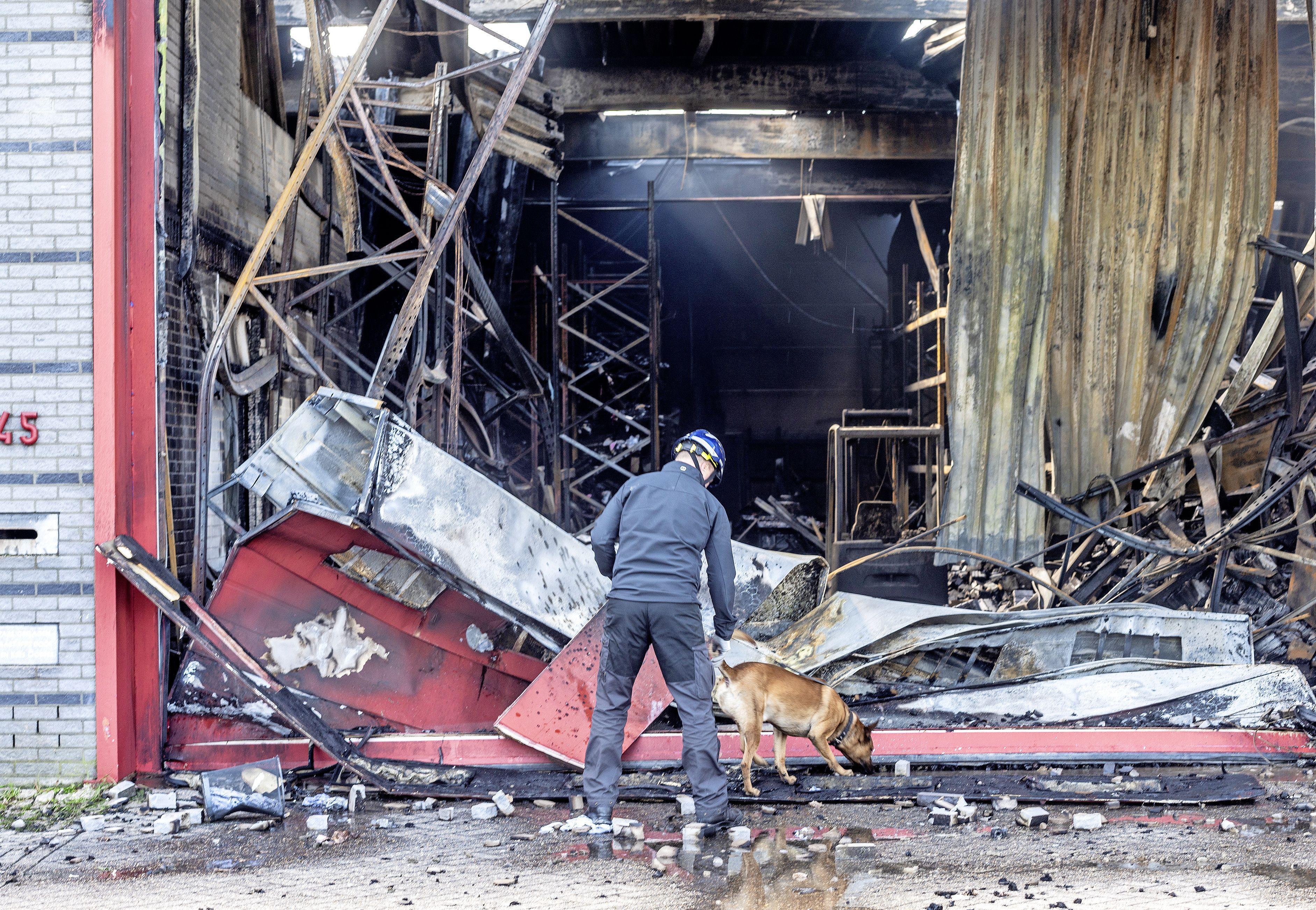 Waarderpolder bibbert nog van angst. 'Het was een enorme brand. Echt niet normaal, zo heftig'