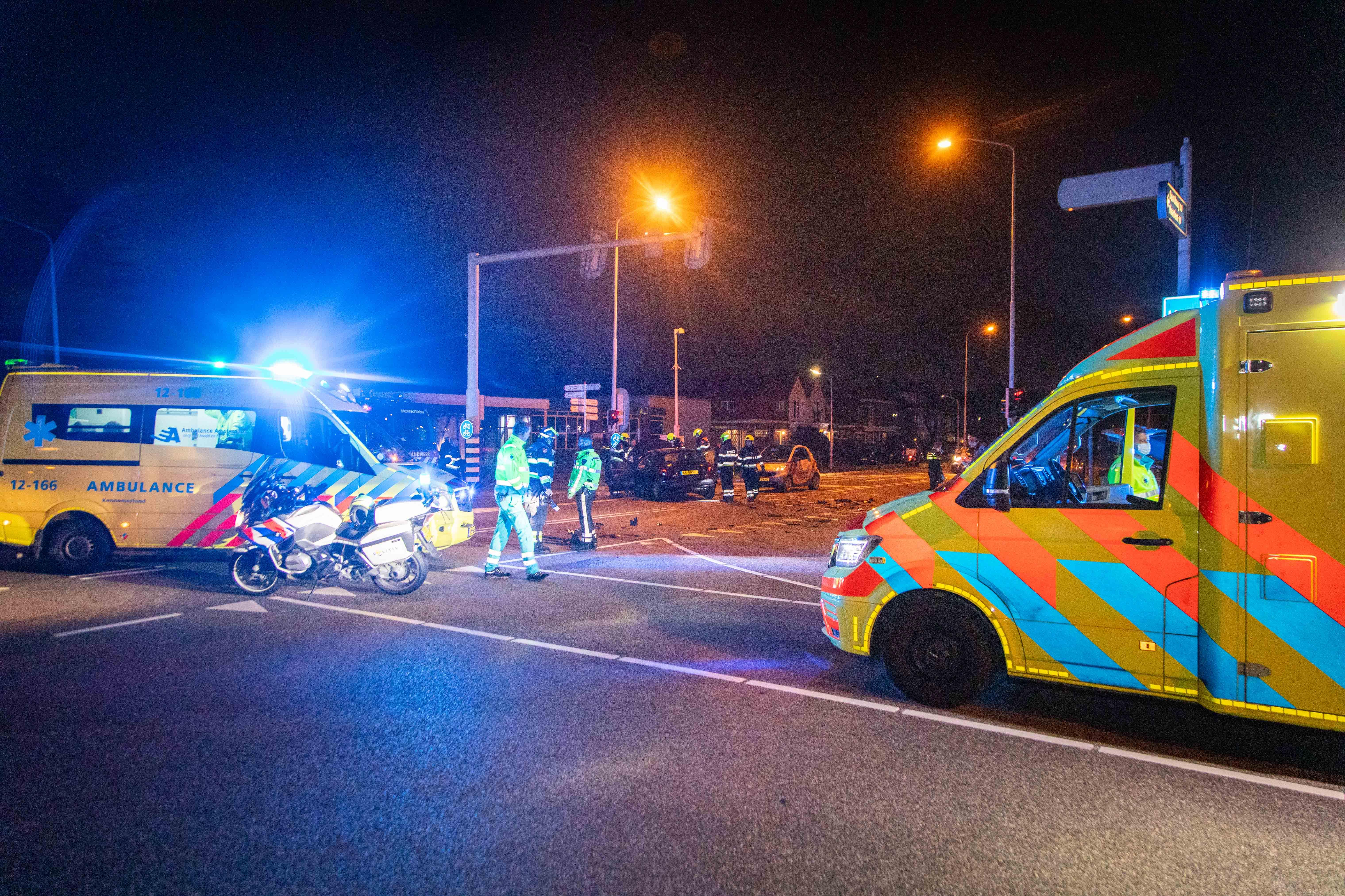 Gewonde en veel schade bij ongeluk in Badhoevedorp