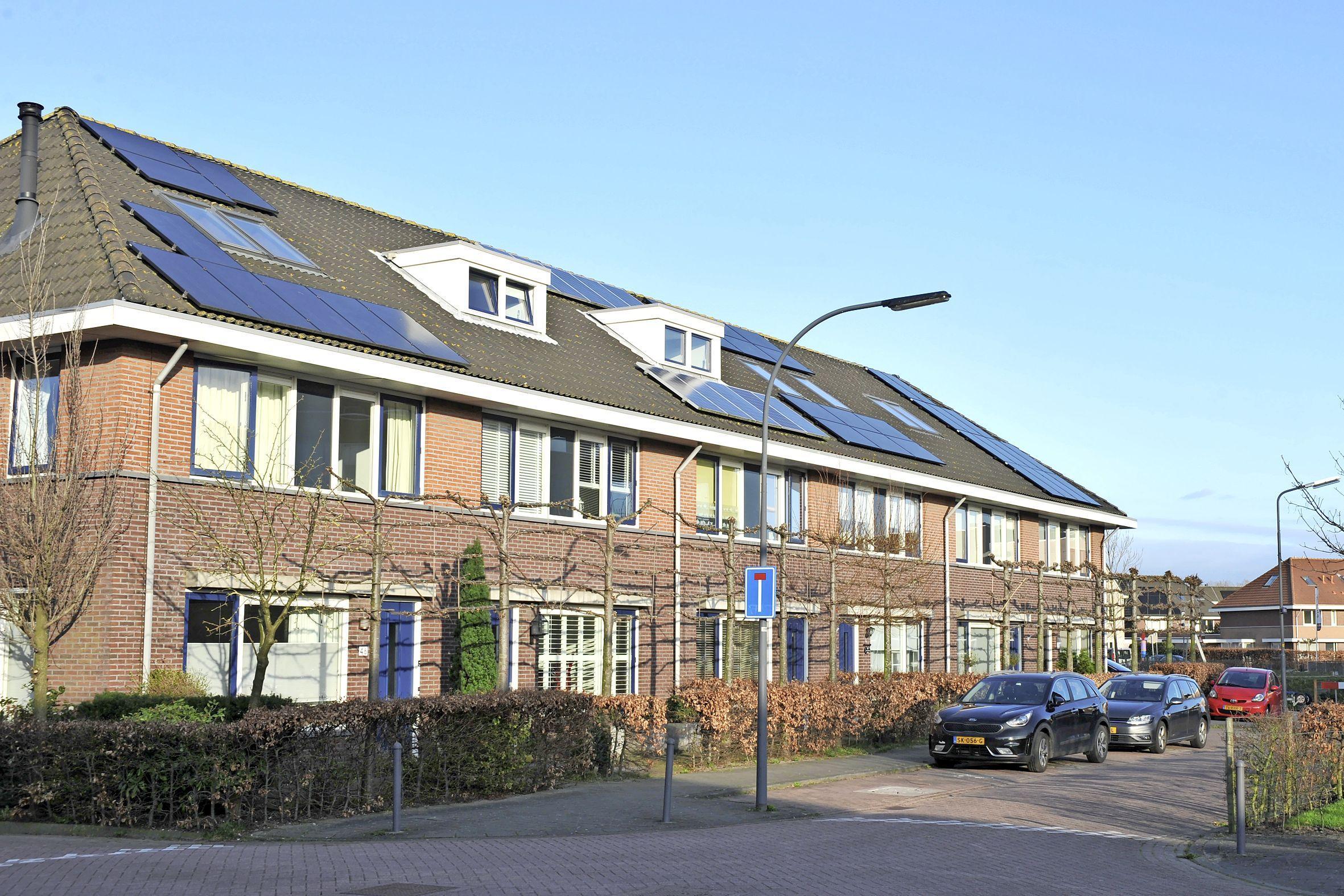 Uitgeest stoot 86.000 kilo minder CO2 uit dankzij actie voor zonnepanelen; Odijmond, DUEC en gemeente slaan handen ineen