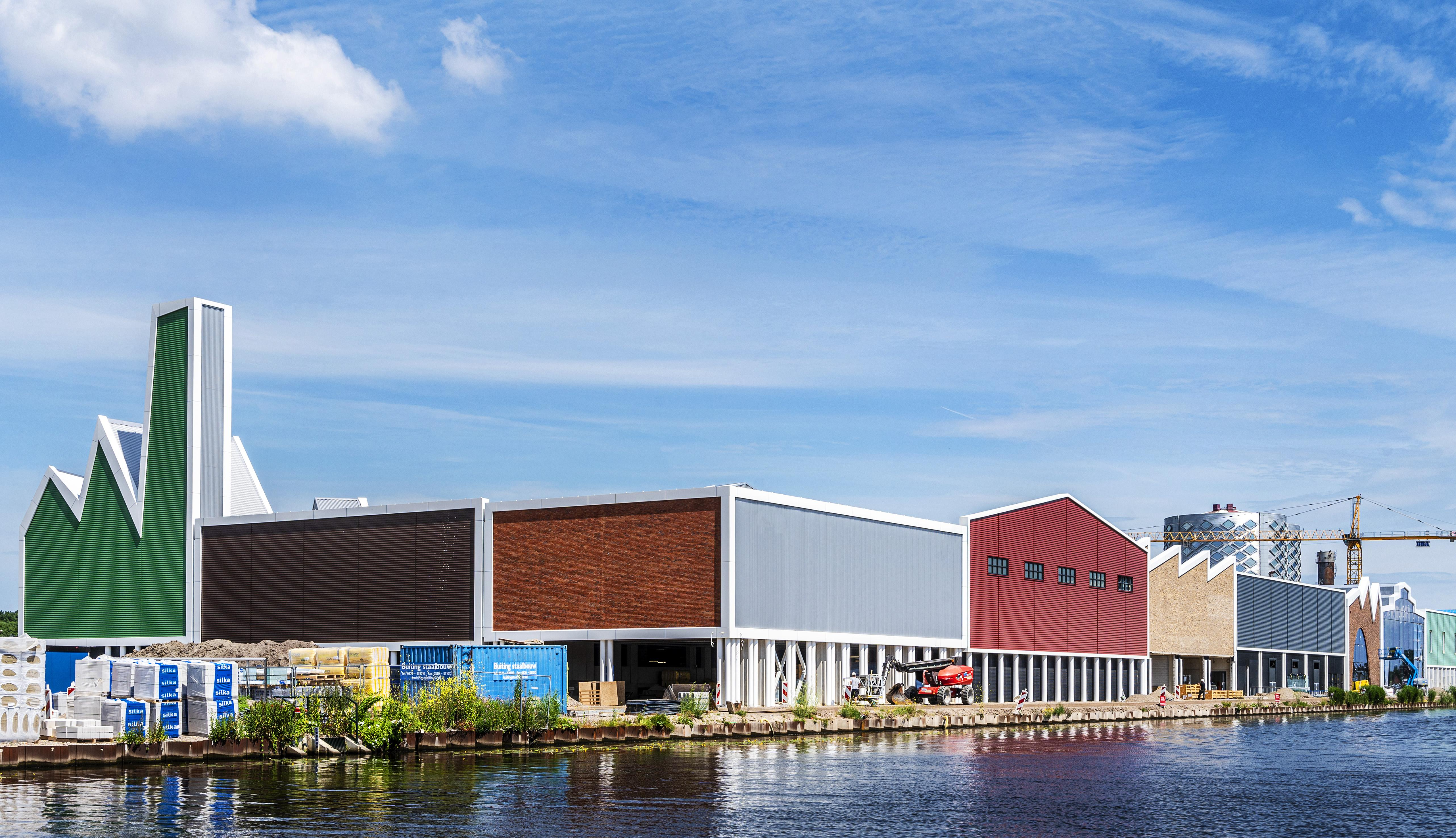 Deze merken hebben een winkel in het outletcentrum in Halfweg: nieuwe koopjescentrum gaat 26 november open [video]