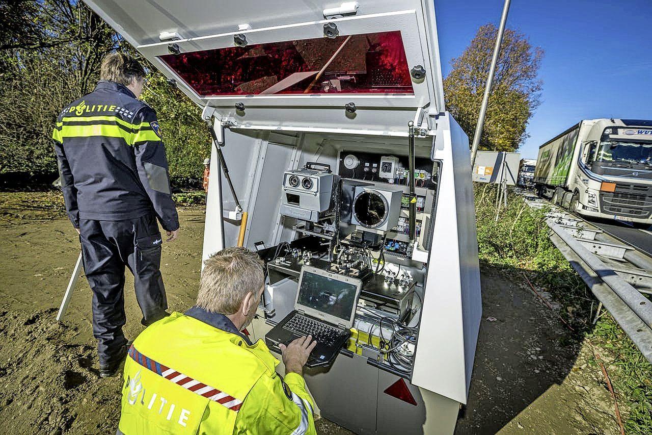 Nieuwe 'flitsbunker' bij Zuidoostbeemster langs de A7 blijkt camera voor gevaarlijke stoffen [Update]