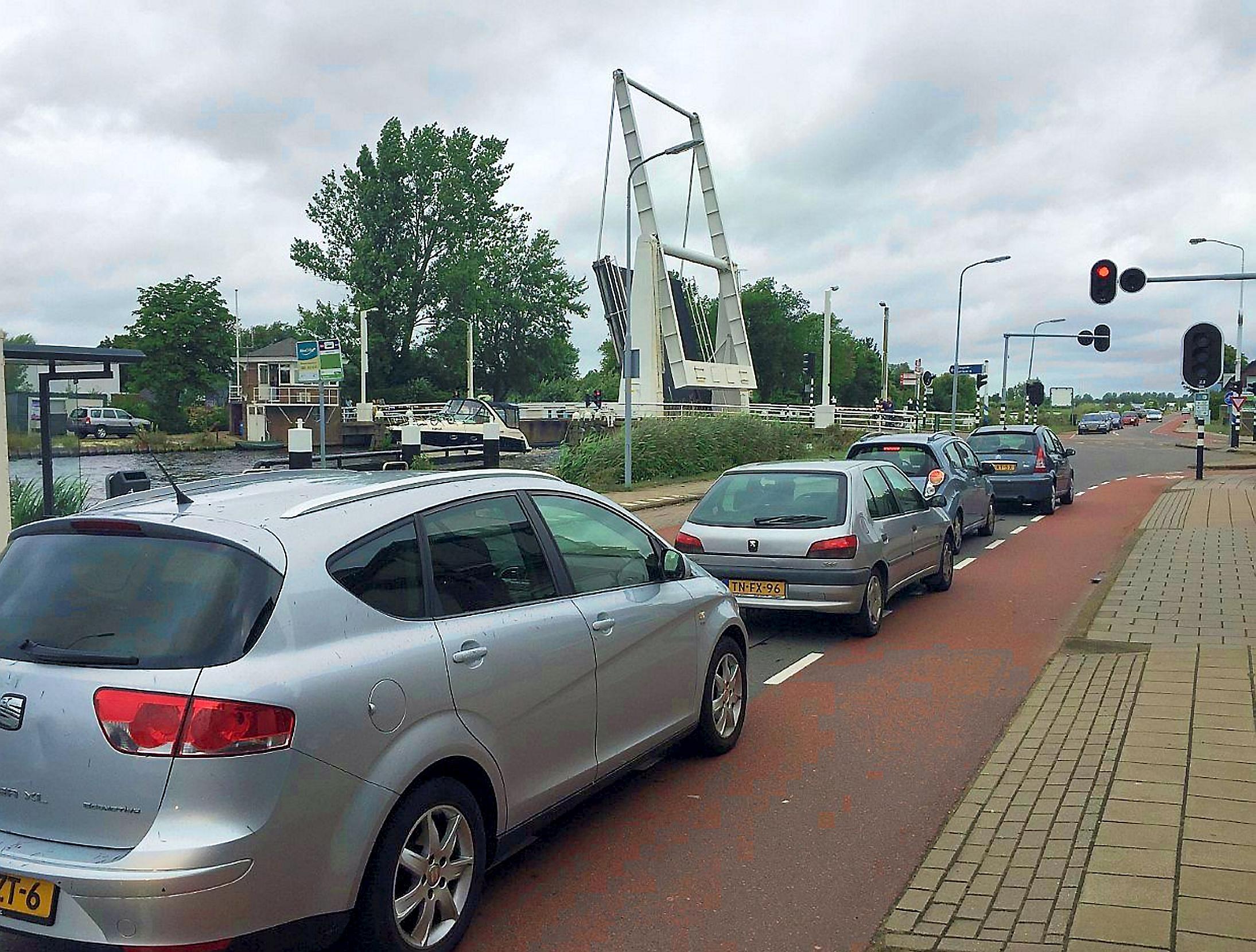 'Hillegommers dupe van maatregelen brug Beinsdorp'