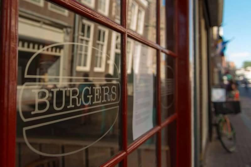 Restaurant Burgers in Hoorn dicht op Lappendag uit angst voor coronaboetes