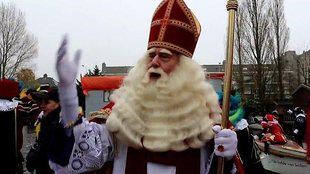 Terugblik: Sinterklaas en pieten komen aan in Leiden [video]