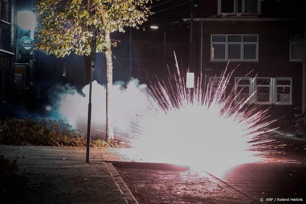 ME ingezet in Urk na gooien molotovcocktails en zwaar vuurwerk