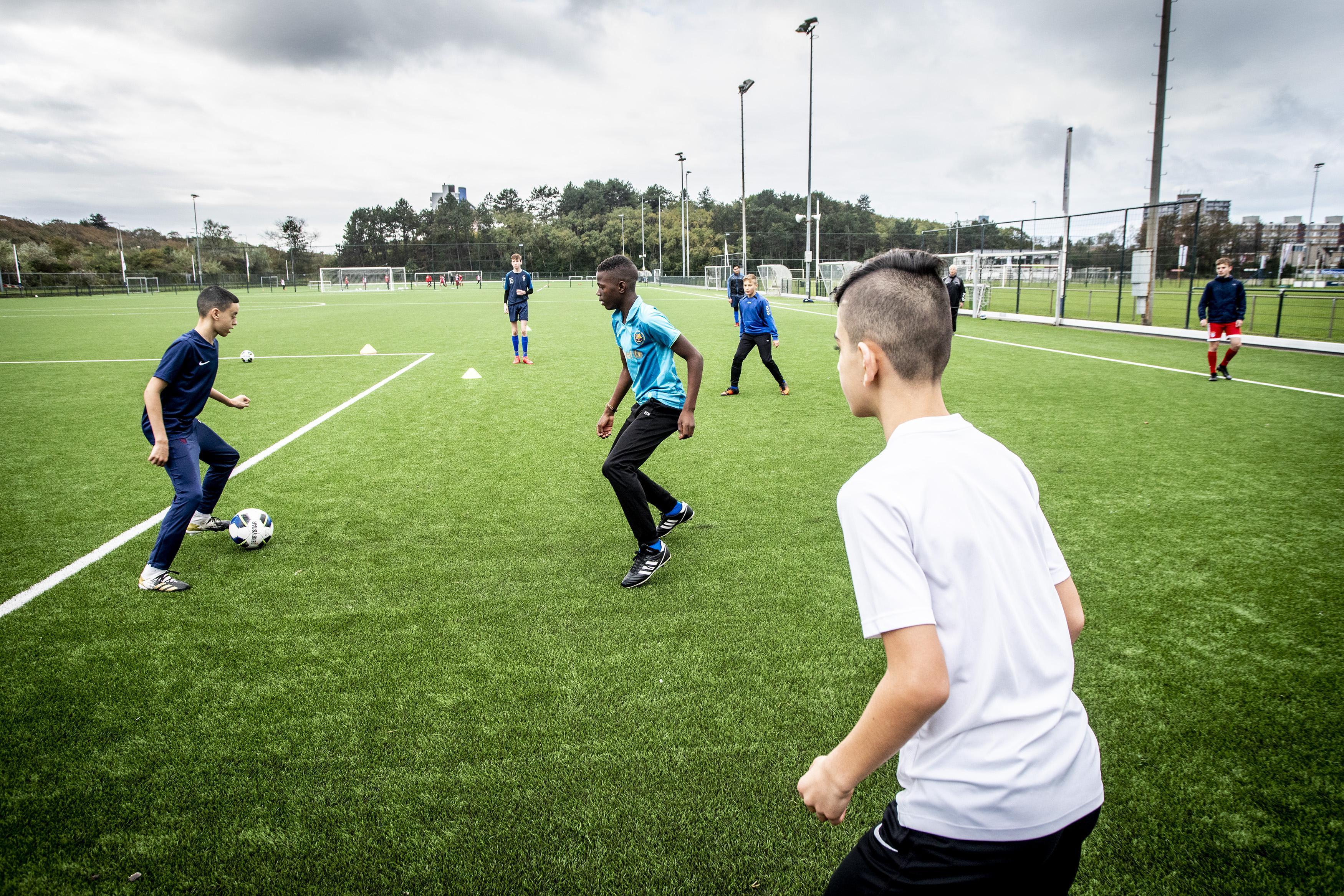 In het eerste weekeinde zonder competitie, zoeken Velsense sportclubs naar alternatieven