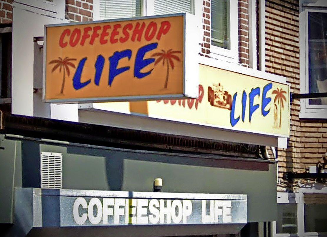 Burgemeester Smit van Beverwijk zet sluiting coffeeshop Life II door