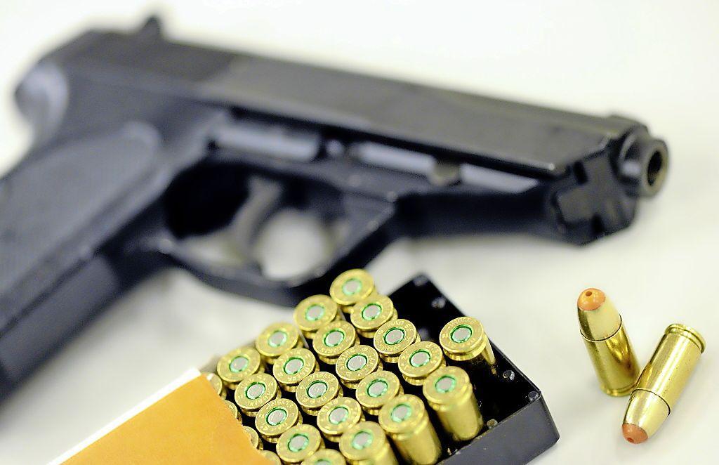 Twee mannen in Krommenie aangehouden voor vuurwapen- en drugsbezit