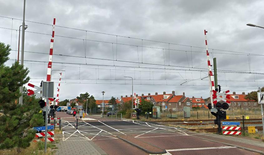 Twee spoorwegovergangen Zandvoort afgesloten voor werkzaamheden, lang weekend geen treinen richting strand