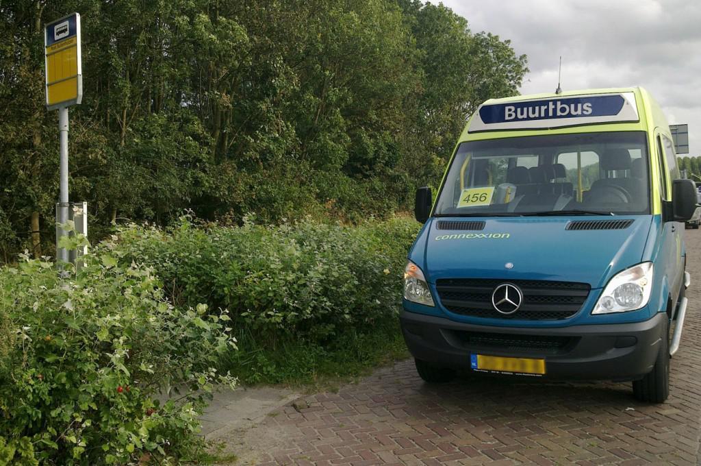 Buurtbus Zaanstreek gaat eindelijk weer rijden na aanpassing busjes