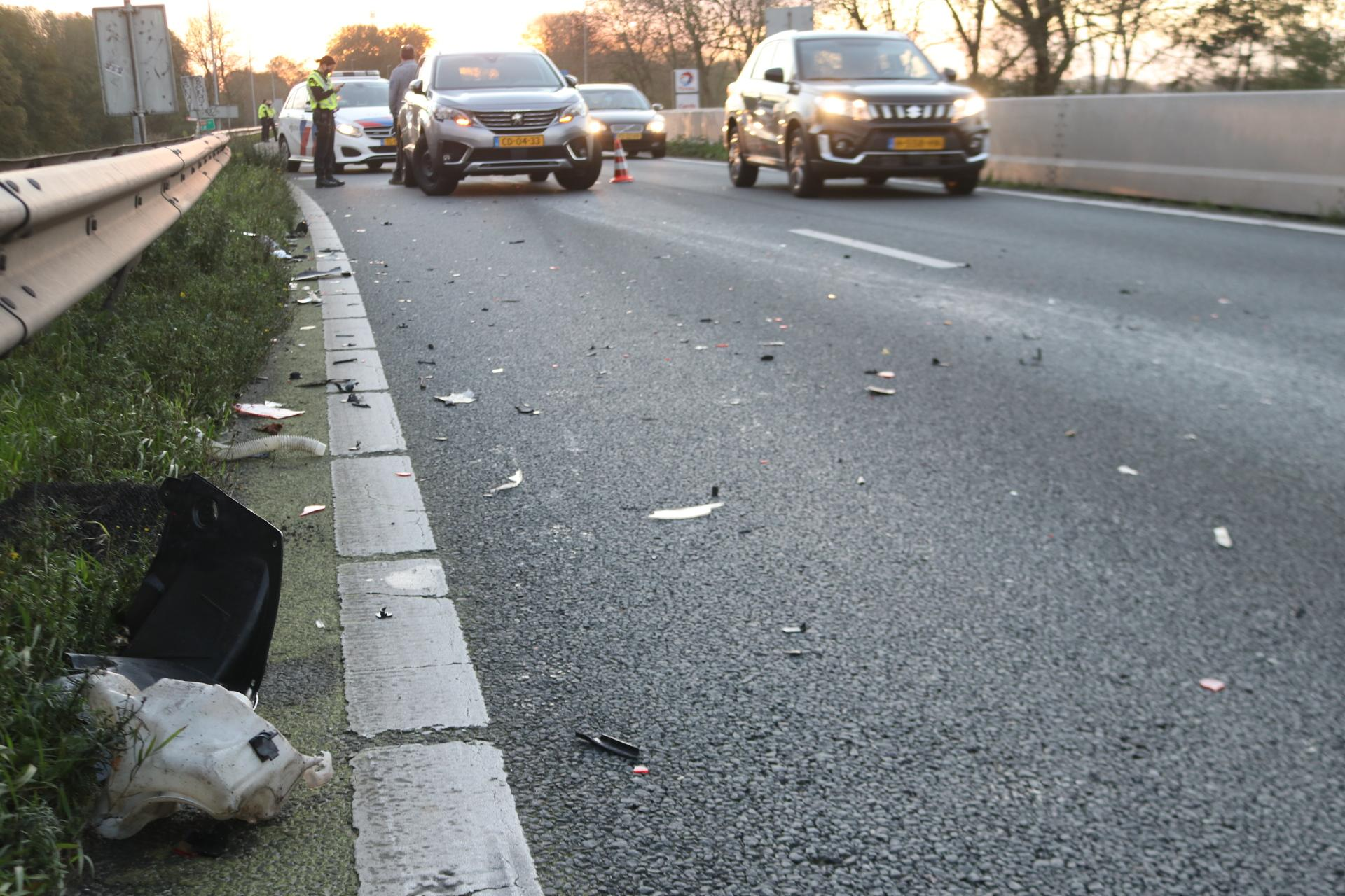 Ongeval op A44 zorgt voor lange file richting Amsterdam