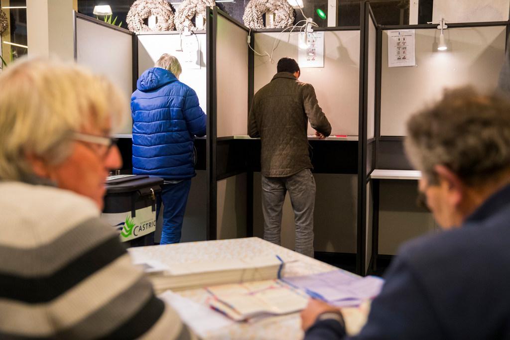 Ook op stations kan weer gestemd, en het eerste in Castricum