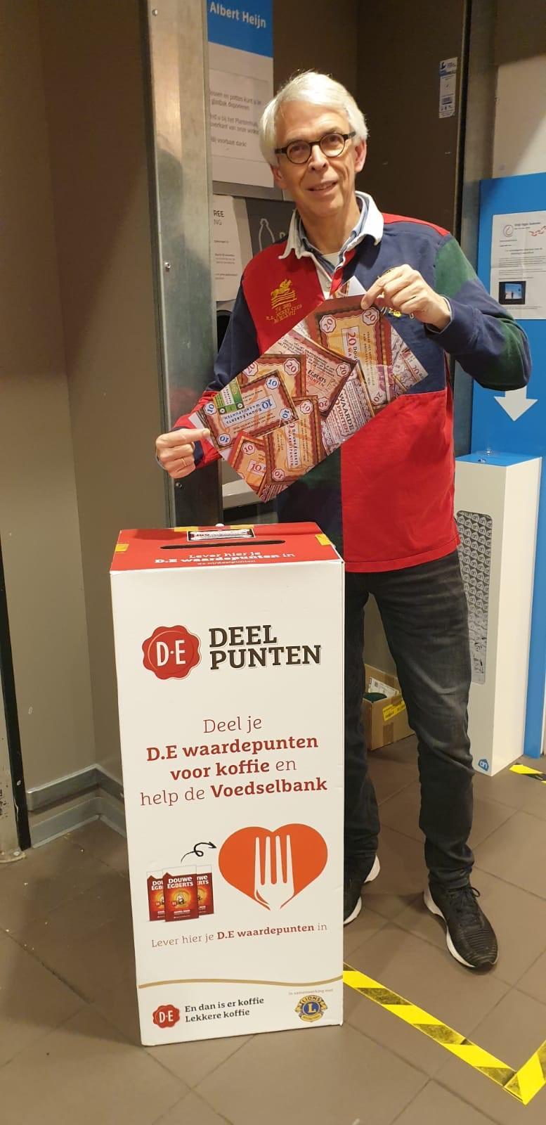 Lions zamelen DE-punten in voor 'bakkie troost' voor voedselbanken
