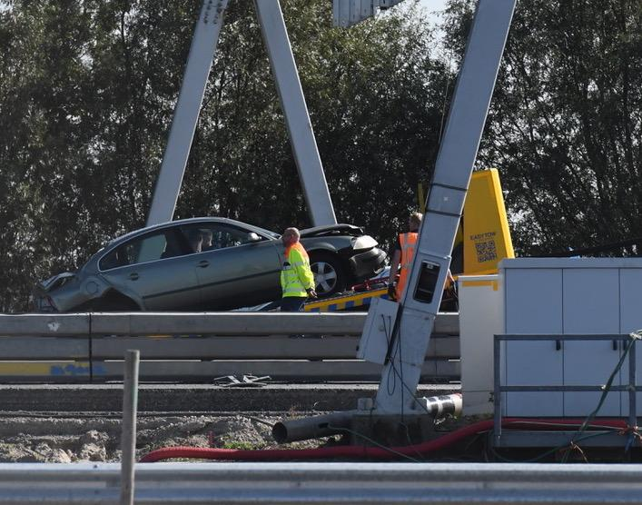 Gewonde en flinke file bij ongeval op A4