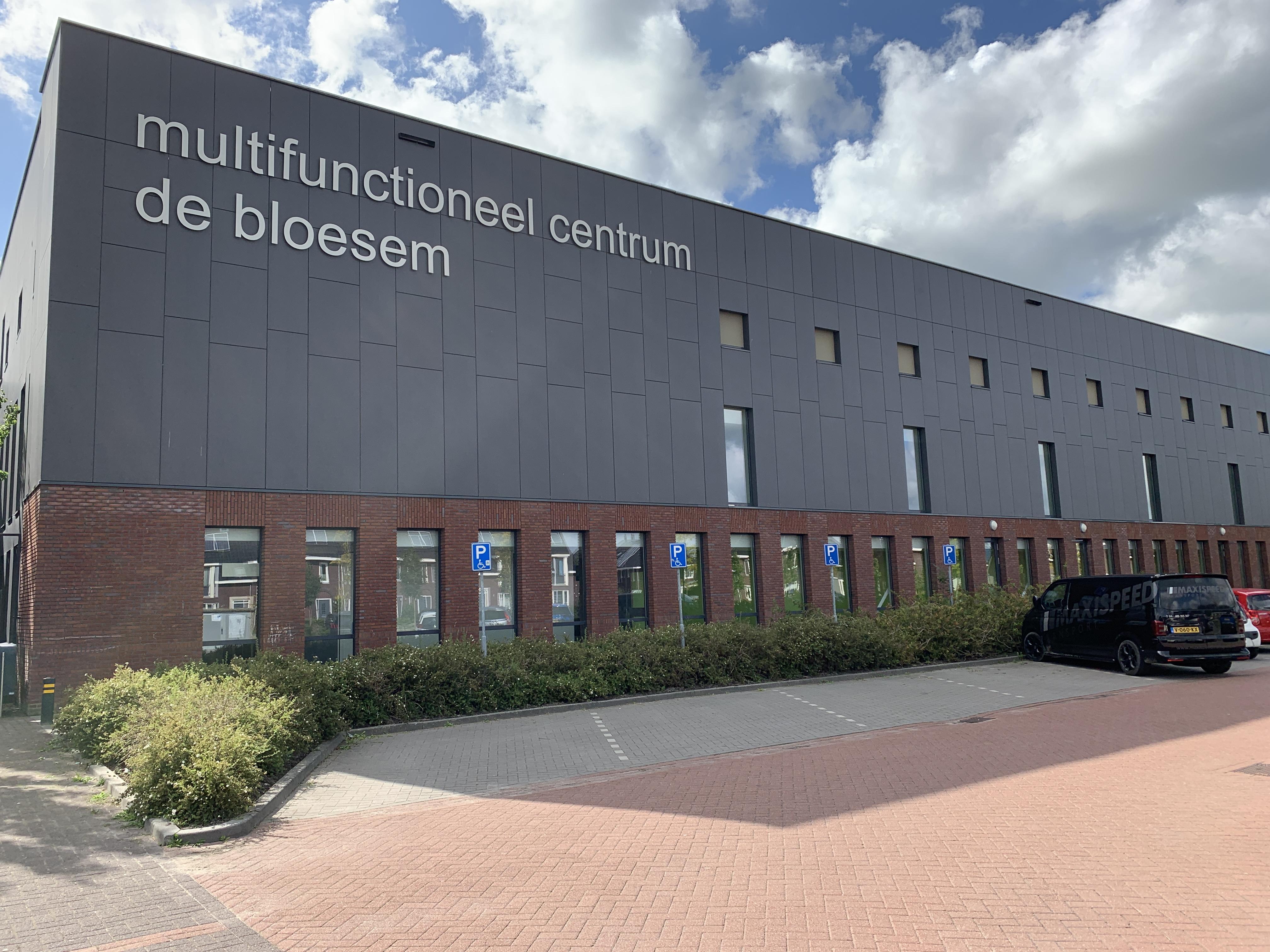 Clubs en exploitant slaan handen ineen om tekort aan zaalsportruimte in Wognum het hoofd te bieden. 'Extra sporthal bij De Bloesem is beste oplossing'