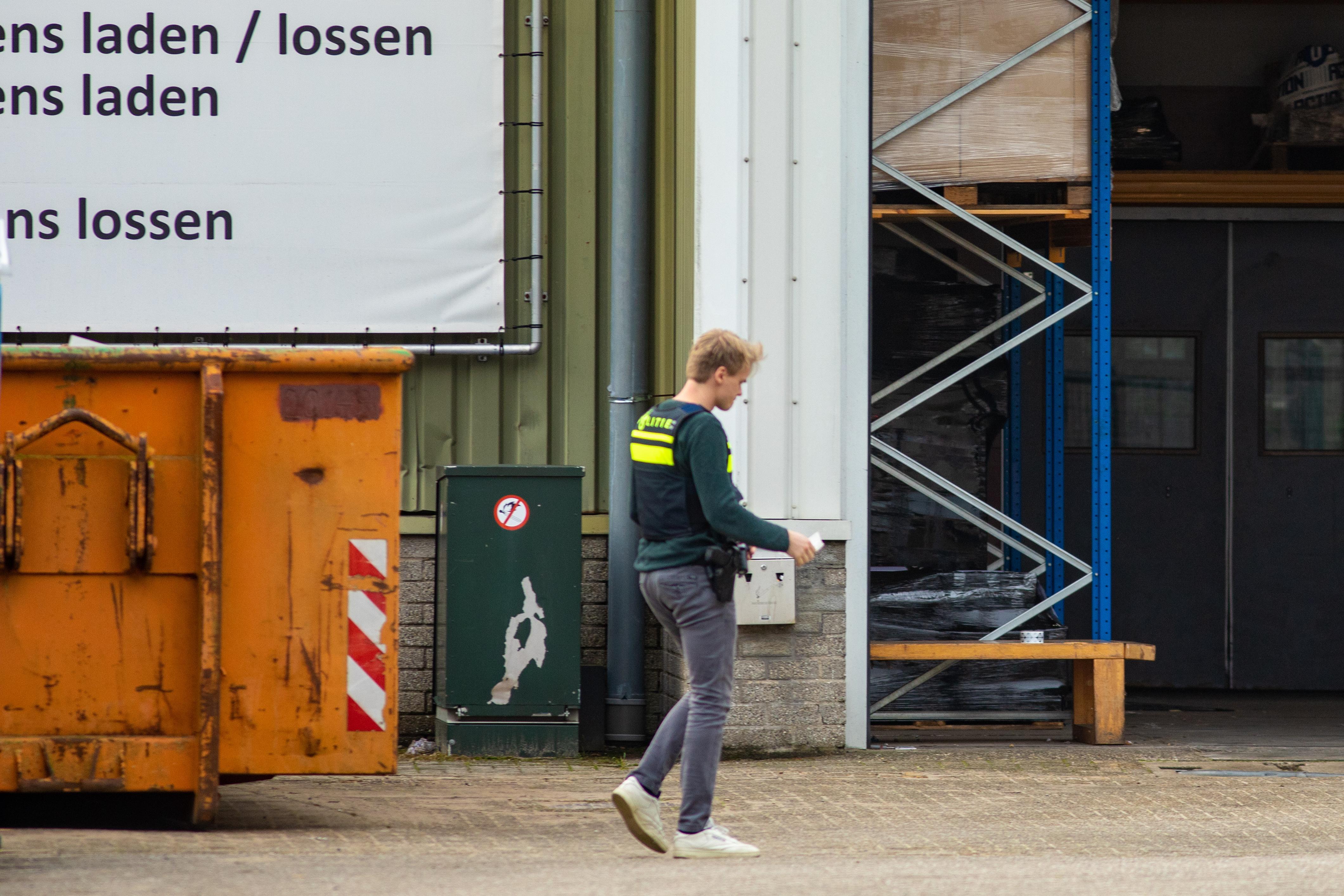 Massale inval op Loosdrechts bedrijventerrein vanwege drugs