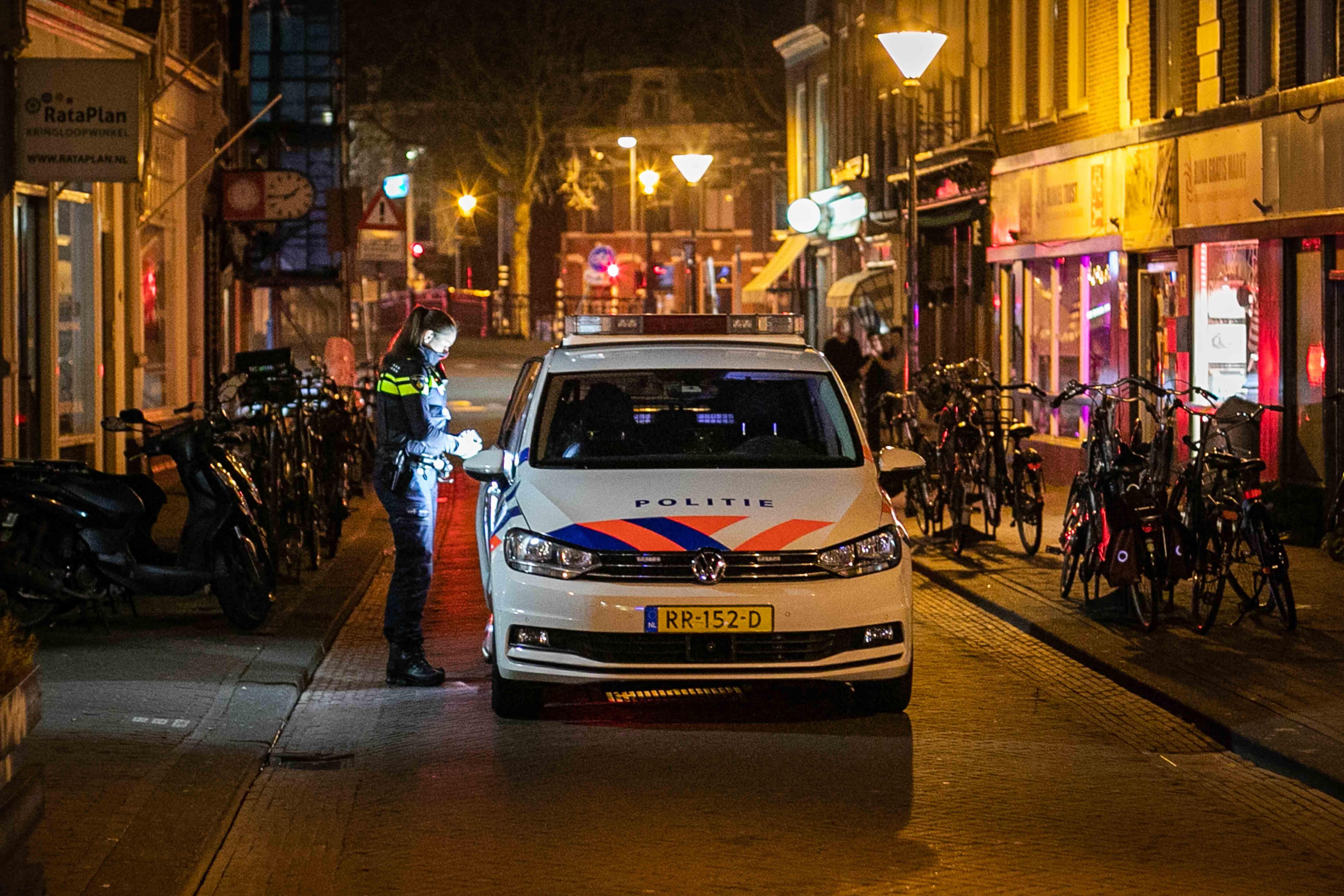 Agenten treffen inbreker op krukje aan in restaurant in Haarlem