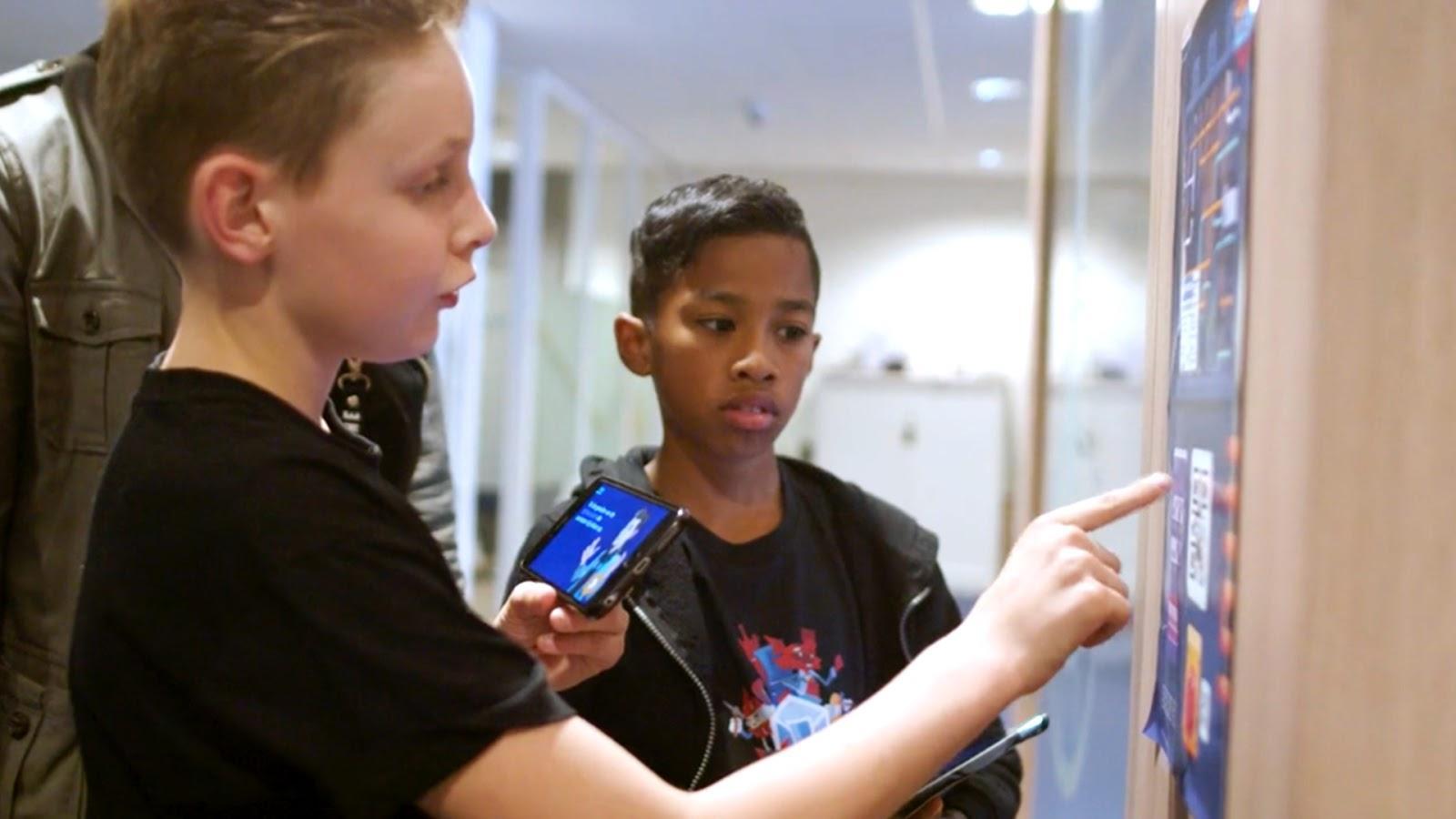 Kinderen tussen 8 en 12 jaar uit Alkmaar, Heerhugowaard en Langedijk opgeleid tot 'cyberagent': 'Vroeger hielpen scouts een oma met oversteken. Straks leren jonge cyberagenten oma een phishingmail herkennen'