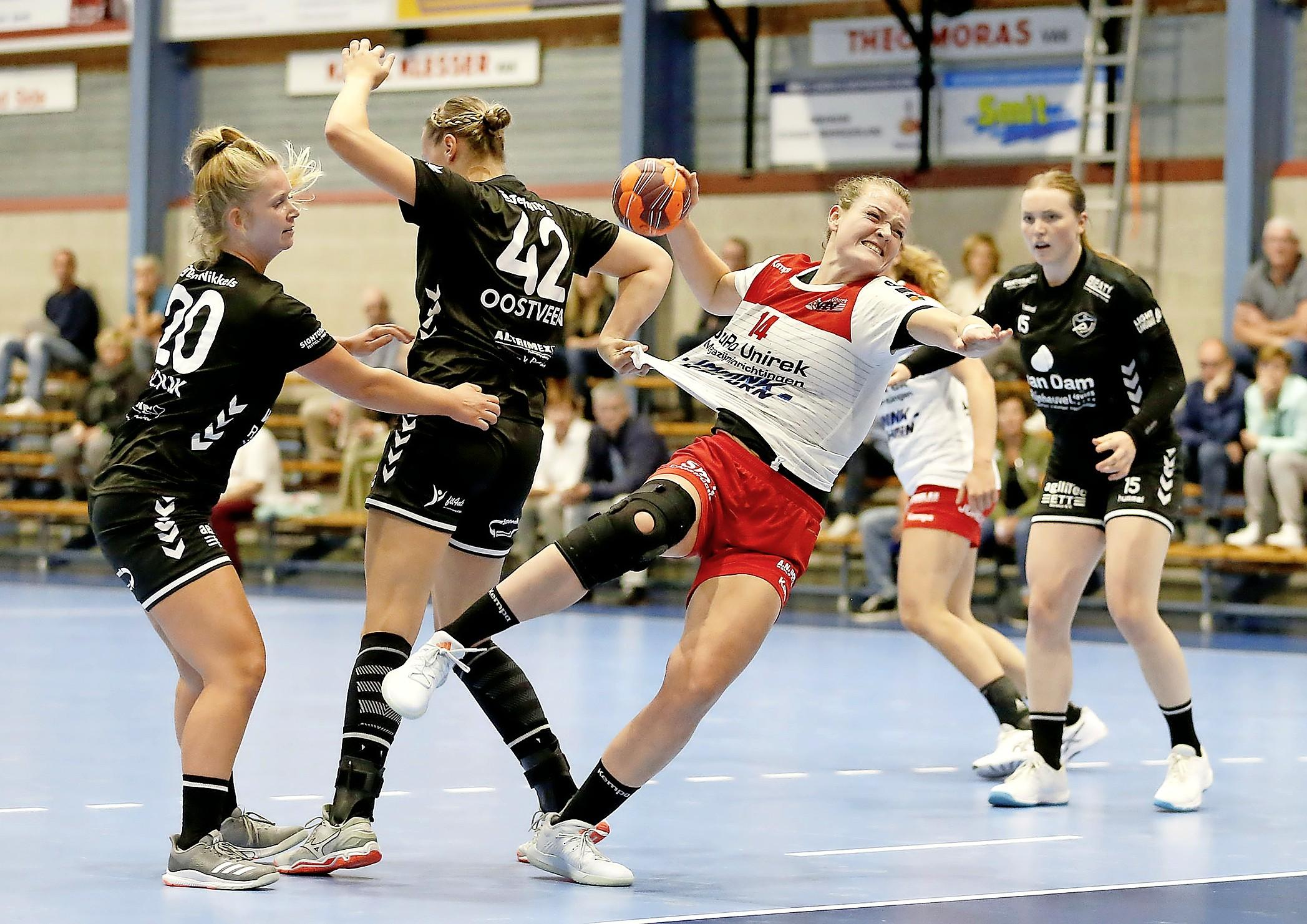 Handbalsters VZV naar Zwitserland, SEW zonder te spelen klaar