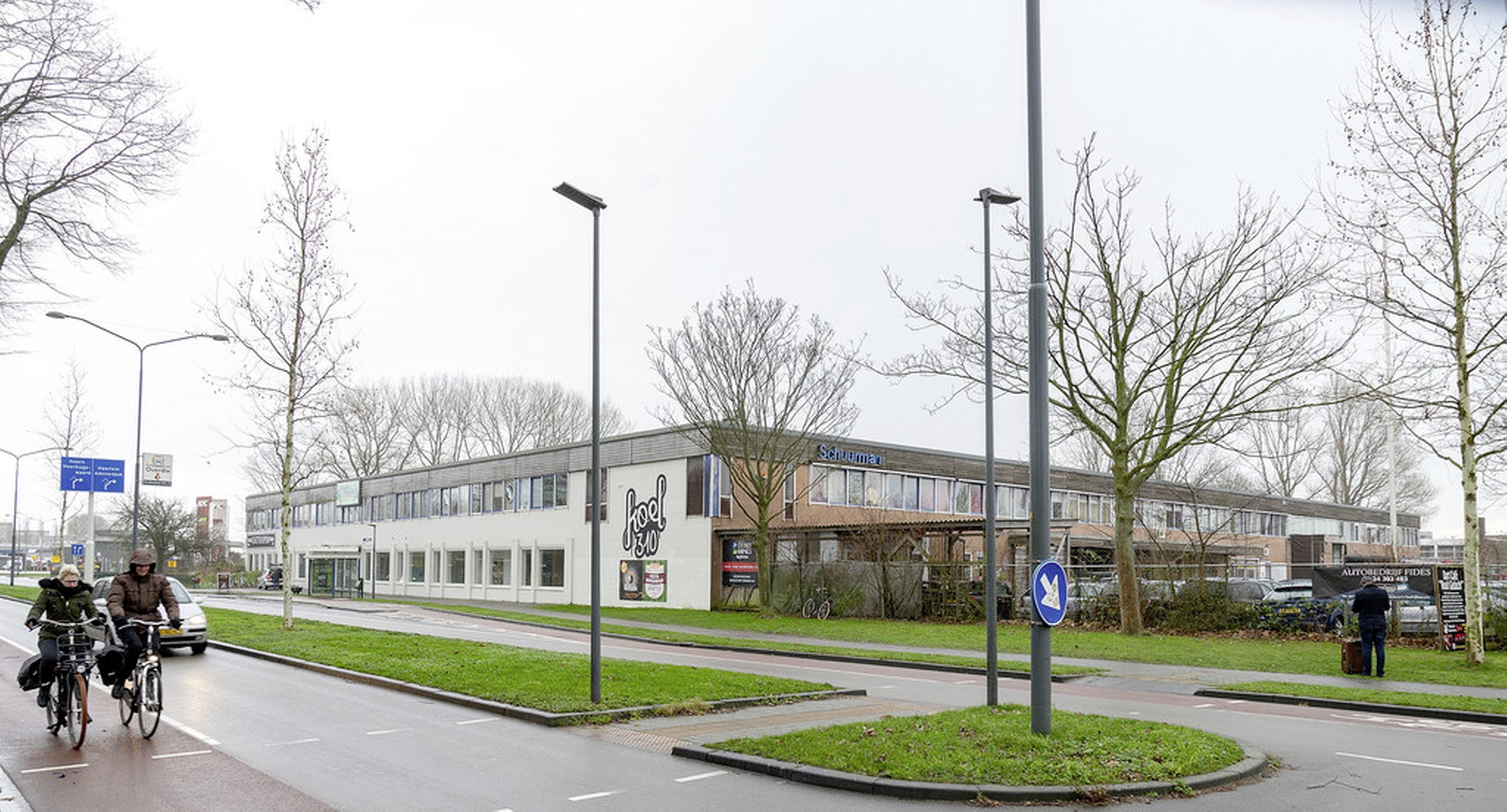 Snelle bouw van sociale woningen is belangrijker dan het welstandsadvies, vindt het college van Alkmaar. Dat negatieve advies moet dus worden genegeerd