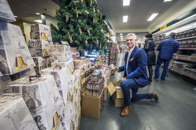 Horeca open rond de kerstdagen of niet, 'Het wordt een gekkenhuis'. Sligro Alkmaar maakt zich op voor een 'heel rare kerst'