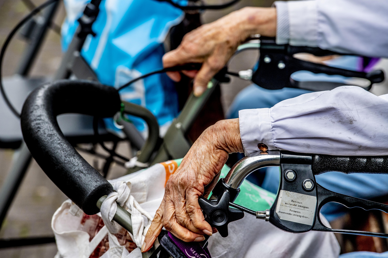 Baanbrekend plan: zorgclubs Gooi en Almere slaan handen ineen; samen innoveren en opleiden om de ouderenzorg voor iedereen betaalbaar én bereikbaar te houden