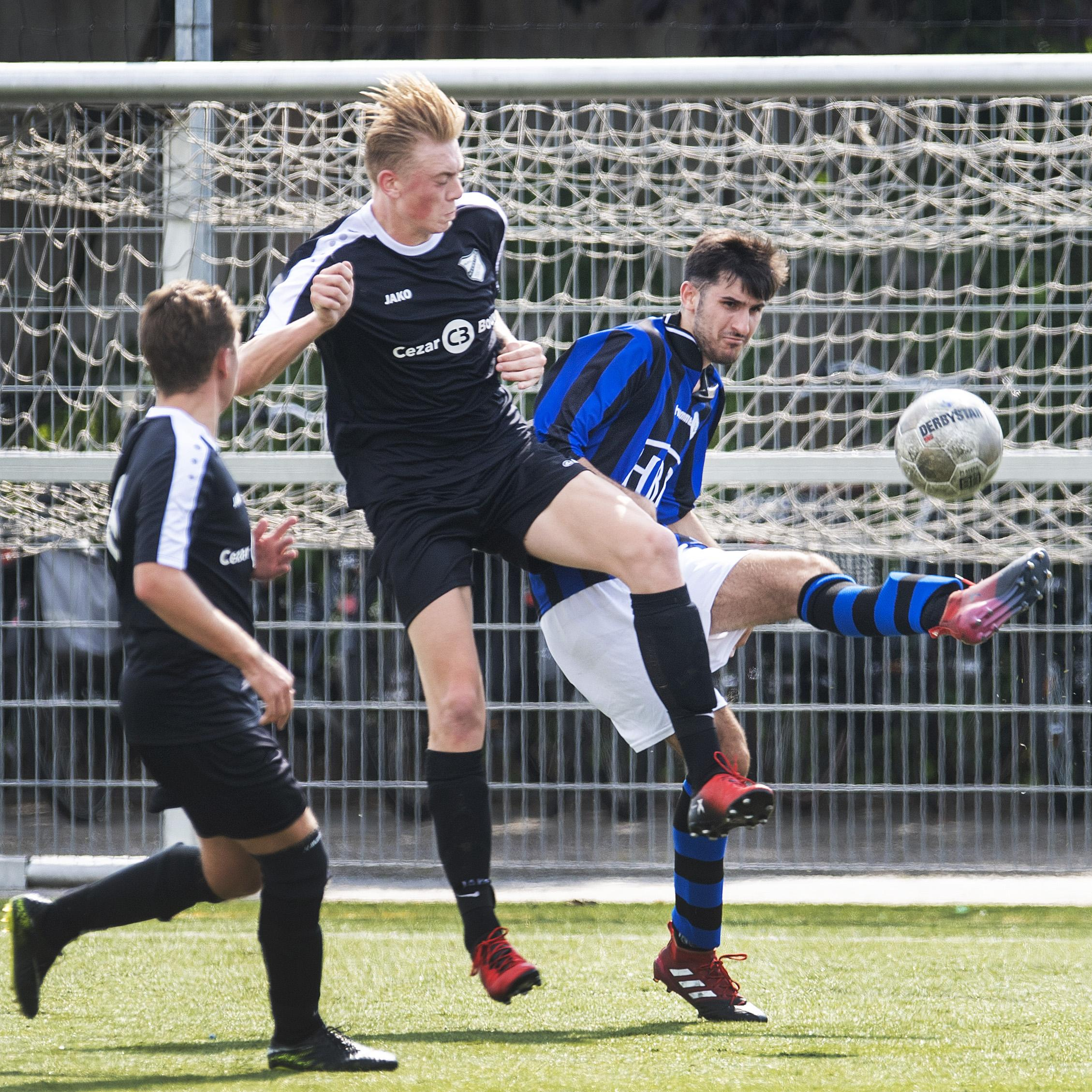 Amateurbekervoetbal van start