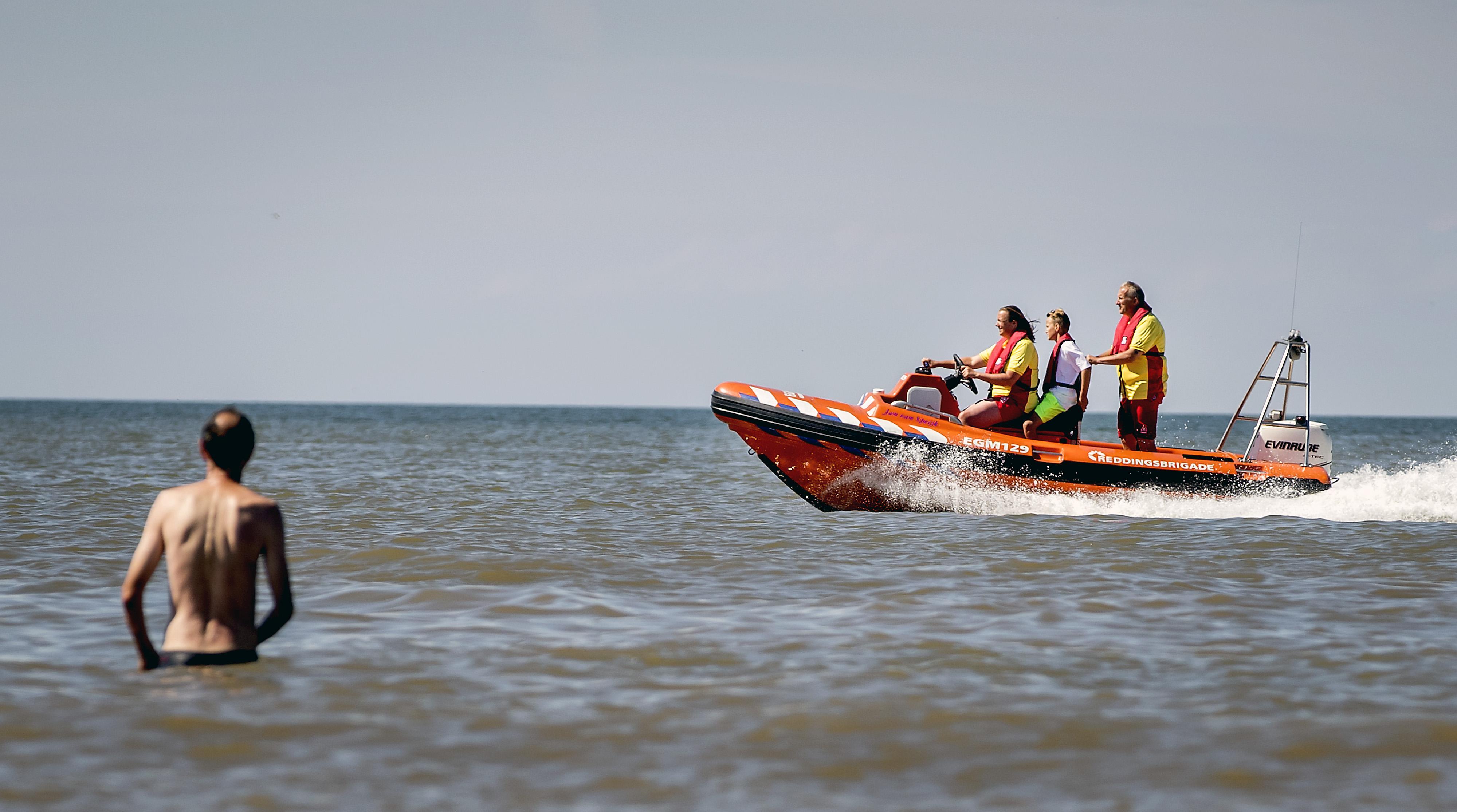 Het is een druk jaar aan de kust. Zijn er genoeg strandwachten in Egmond, Bergen en Schoorl? 'Krap, maar we redden het'