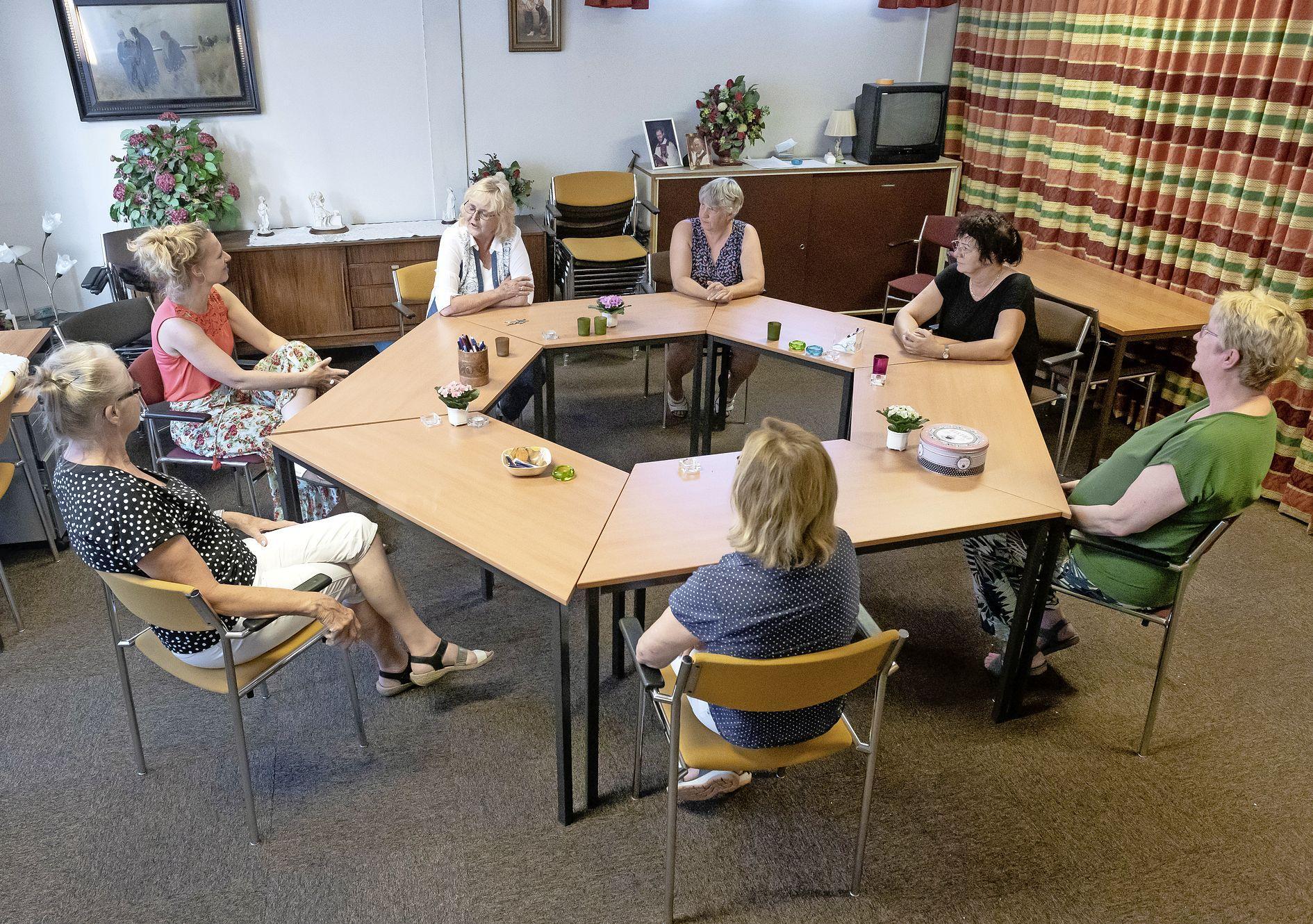 Moeders uit Edam-Volendam luiden de noodklok over 'zitjes' met gevaarlijke drugscocktails: 'Gevaarlijker dan corona'