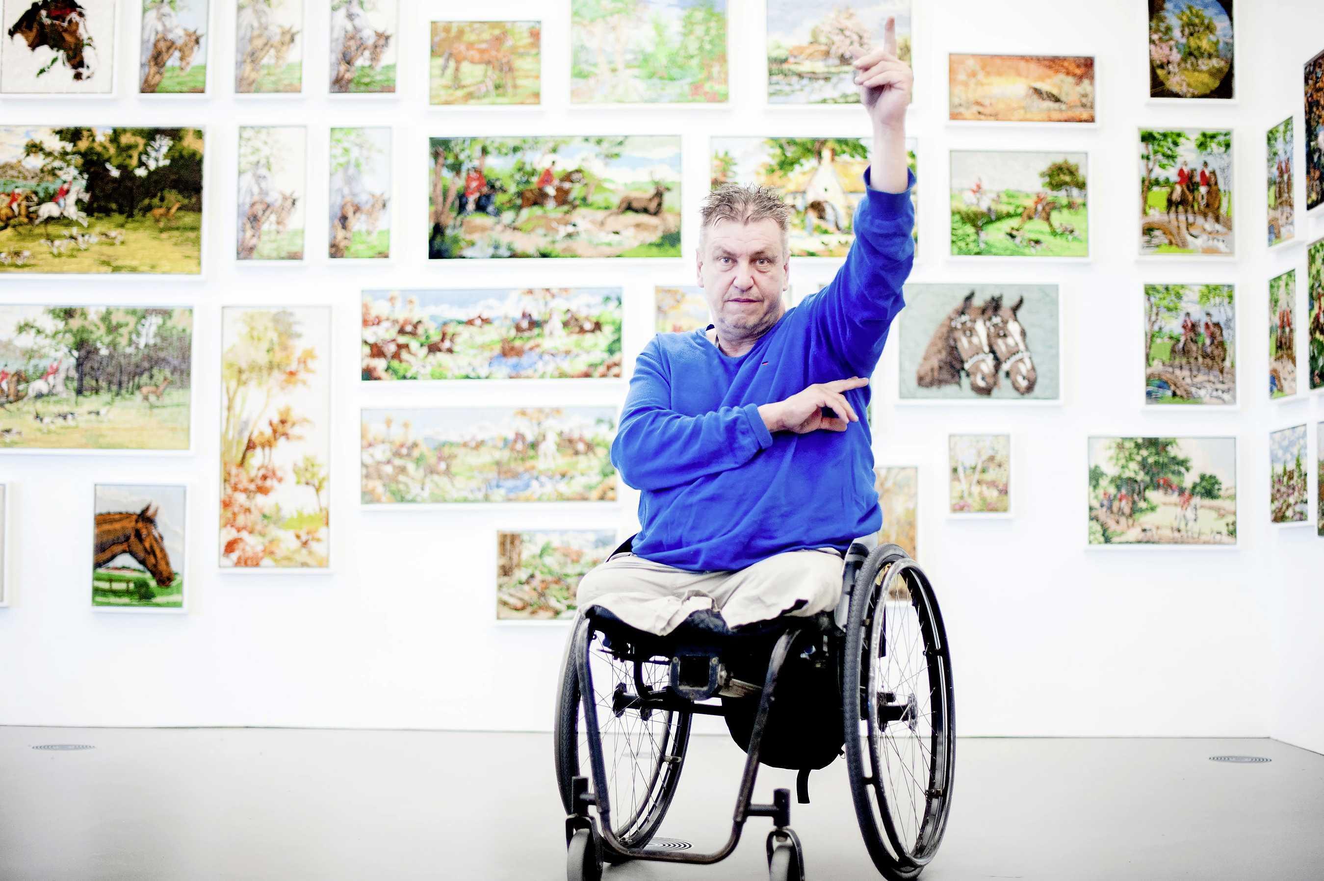 Rob Scholte krijgt van de rechter nog één keer de gelegenheid om kopers te vinden voor zijn kunstcollectie. Als hem dat niet lukt, mag de gemeente tot veiling overgaan