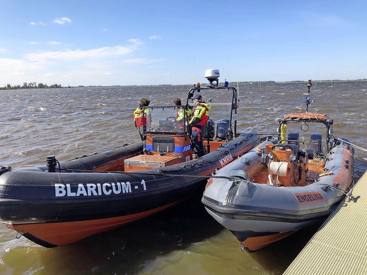 Reddingsbrigade Blaricum zoekt jonge lifeguards voor deze zomer; 'Ze houden toezicht, verlenen eerste hulp en delen polsbandjes aan ouders met kinderen uit'