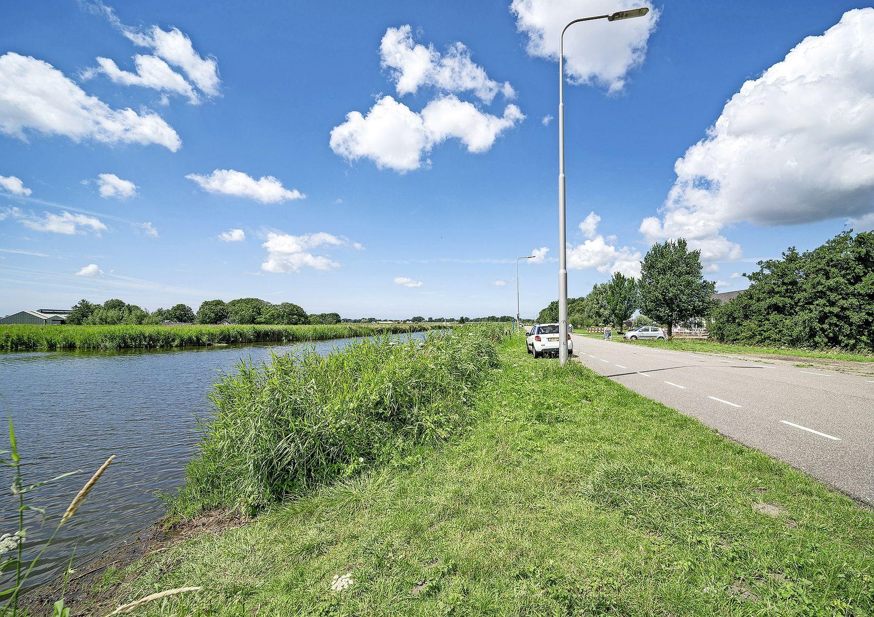 Overlastgevende tewaterlaatplaatsen in Heerhugowaard en Langedijk worden voorlopig niet gesloten. Vrees voor drukte op andere plekken
