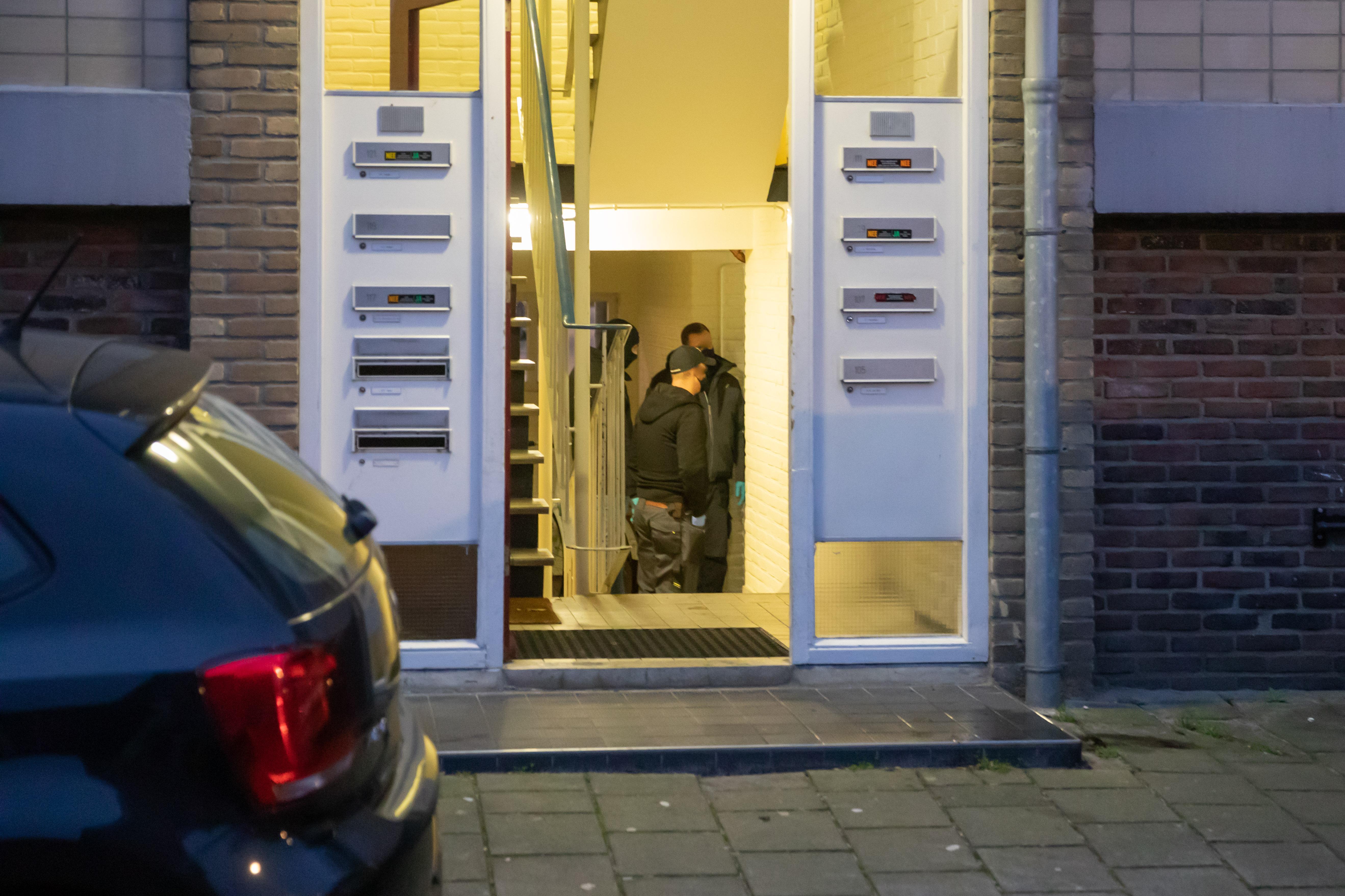 Opgepakte mannen in Bussum en Naarden verdacht van brandstichting en het veroorzaken van explosies; Zaak zou verband houden met poging tot afpersing van fruitteler in Gelderland