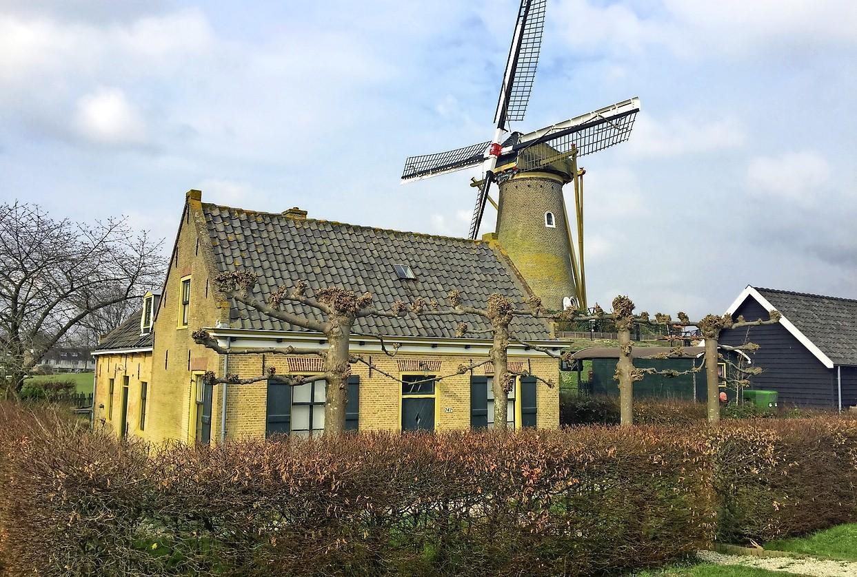 Genoeg kandidaat-kopers voor molenaarshuisje in Hoofddorp. Of het ook wordt verkocht is nog maar de vraag