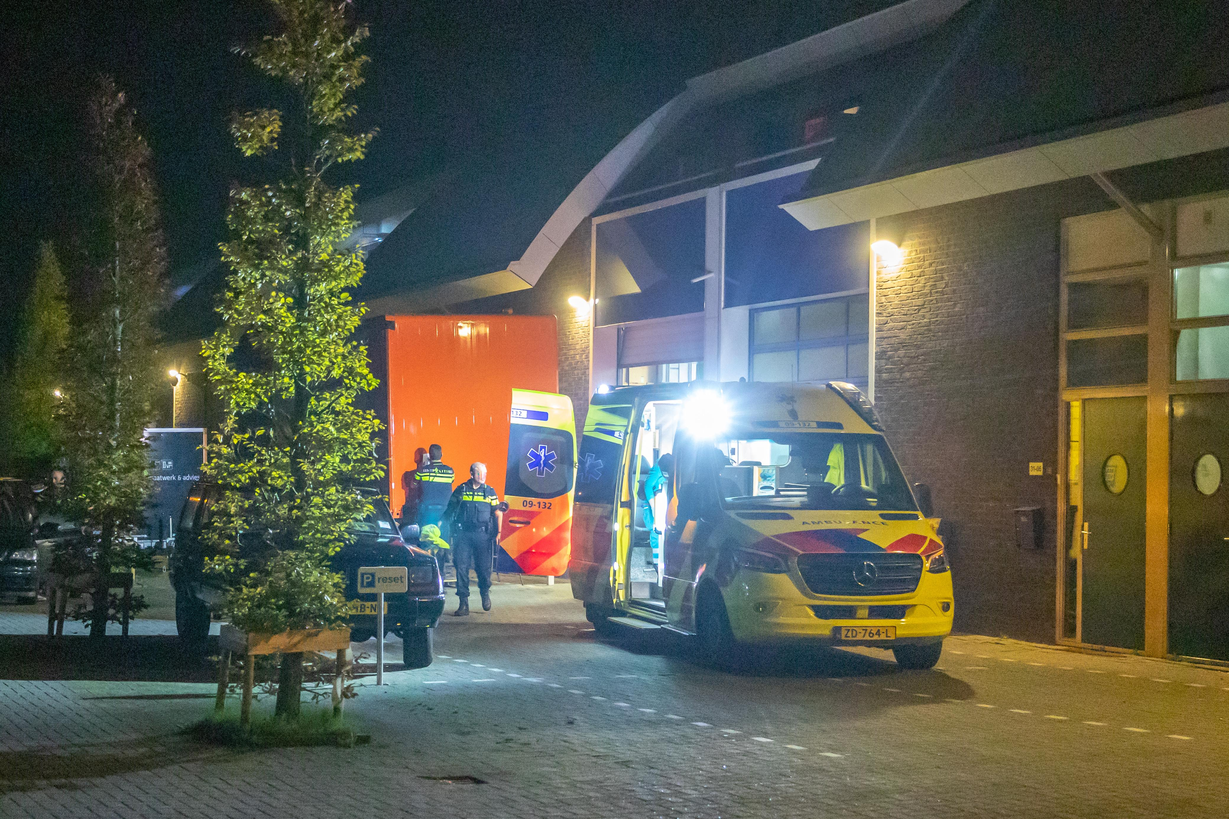 Vrouw (45) uit Amstelveen verdacht van steekpartij in Eemnesser loods. Slachtoffer is 54-jarige Baarnaar