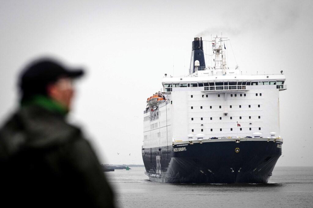 Britten en andere passagiers die met ferry vanuit Newcastle naar IJmuiden willen oversteken, zijn voorlopig niet meer welkom: ook B en W Velsen willen zeer besmettelijke coronavariant buiten de deur houden