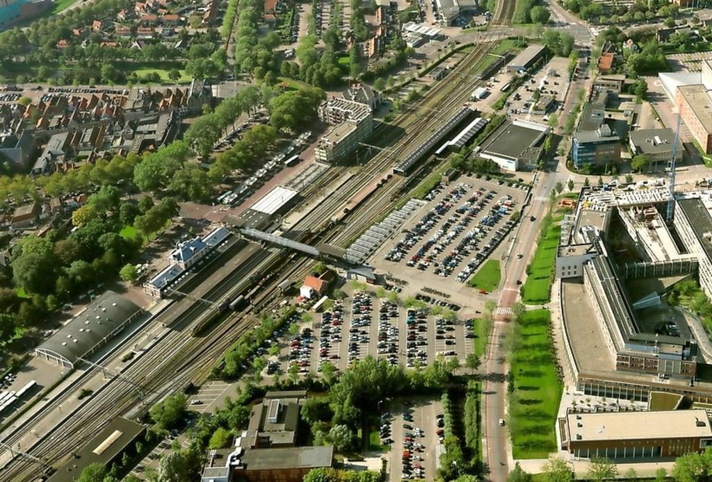 Omwonenden verzetten zich tegen 'wolkenkrabbers' van 16 tot 20 bouwlagen in Poort van Hoorn: 'Volstrekt onacceptabel en een ernstige aantasting van ons woongenot'