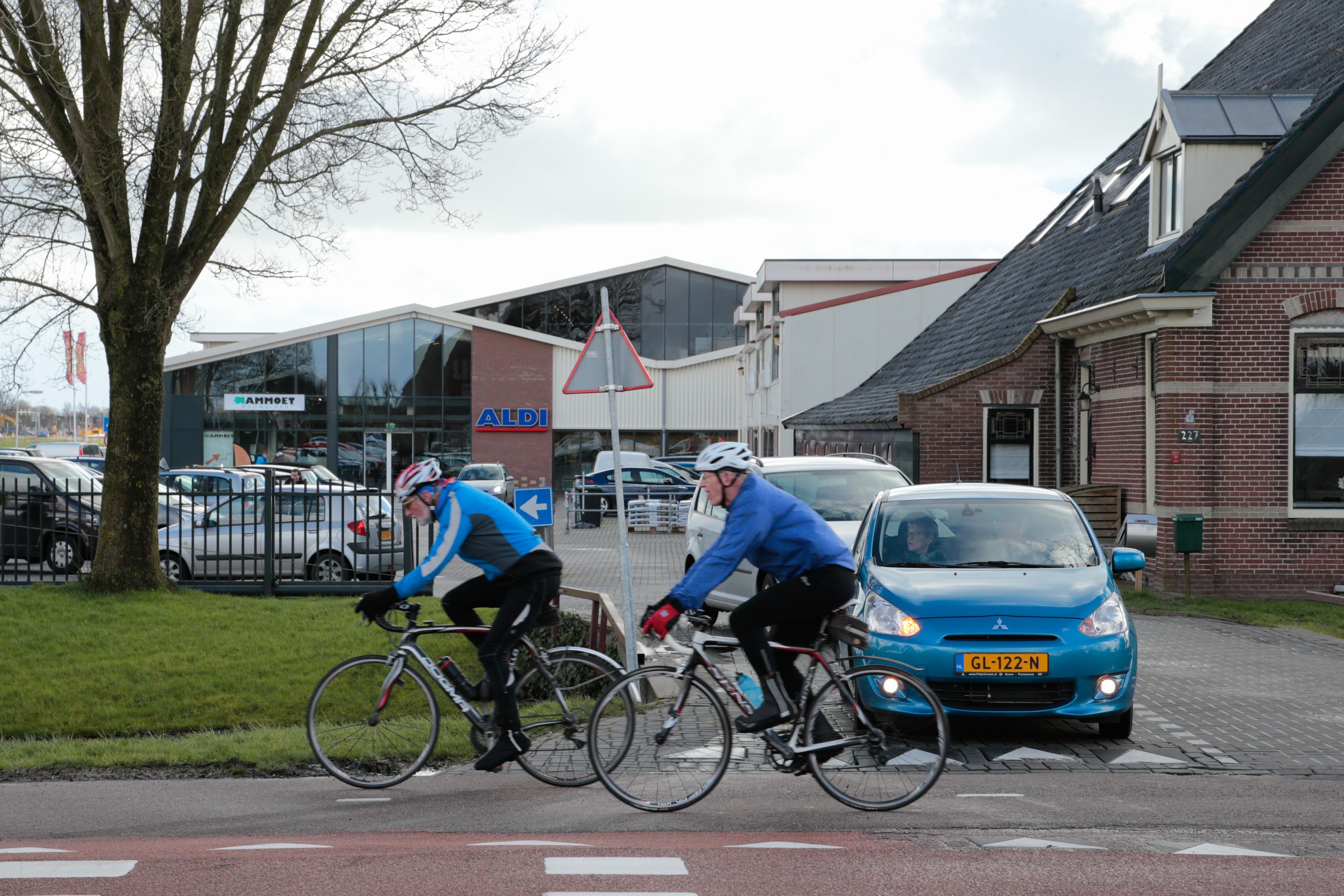 Jarenlange onveilige situatie bij Winkelhart Zwaagdijk wordt aangepakt, belooft burgemeester: 'Het duurt te lang'