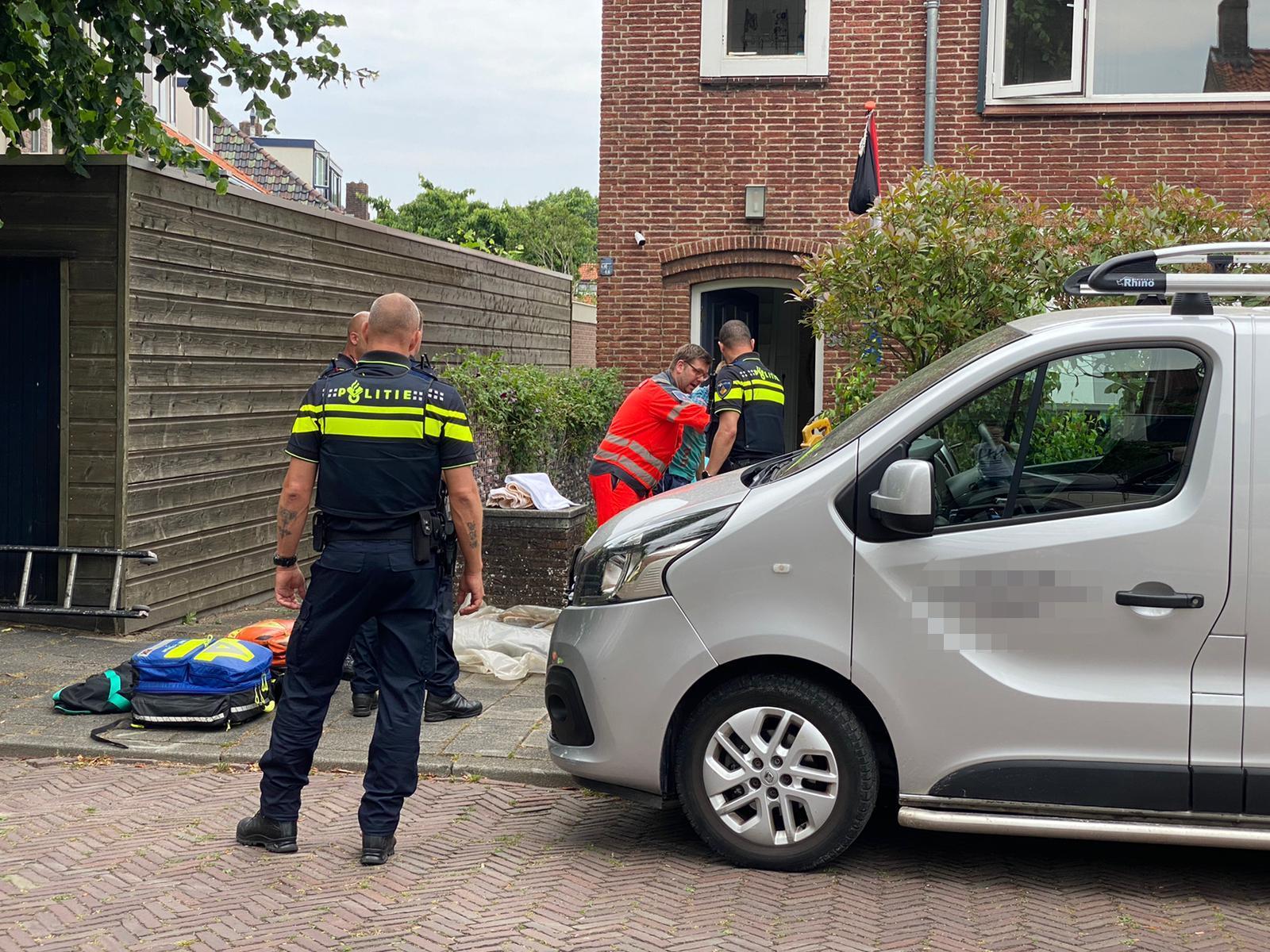 Man zwaargewond bij val van ladder in Leiderdorp, traumahelikopter ingeschakeld