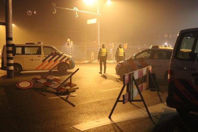 Politiebond over jaarwisseling: 'Geen rustige nacht, overal autobranden'