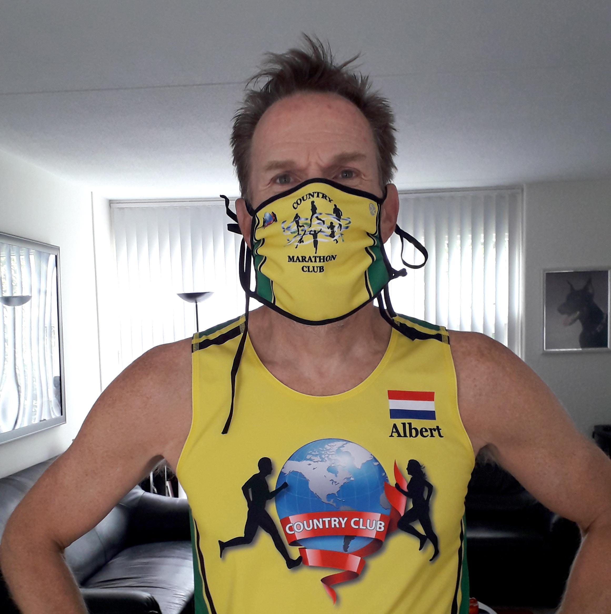 'Een mondkapje van de Country Marathon Club is niet voor iedereen weggelegd': Albert Meijer loopt 163 marathons in 44 landen