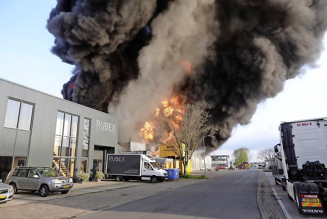 Acties voor gedupeerde ondernemers na brand op Grotendorst