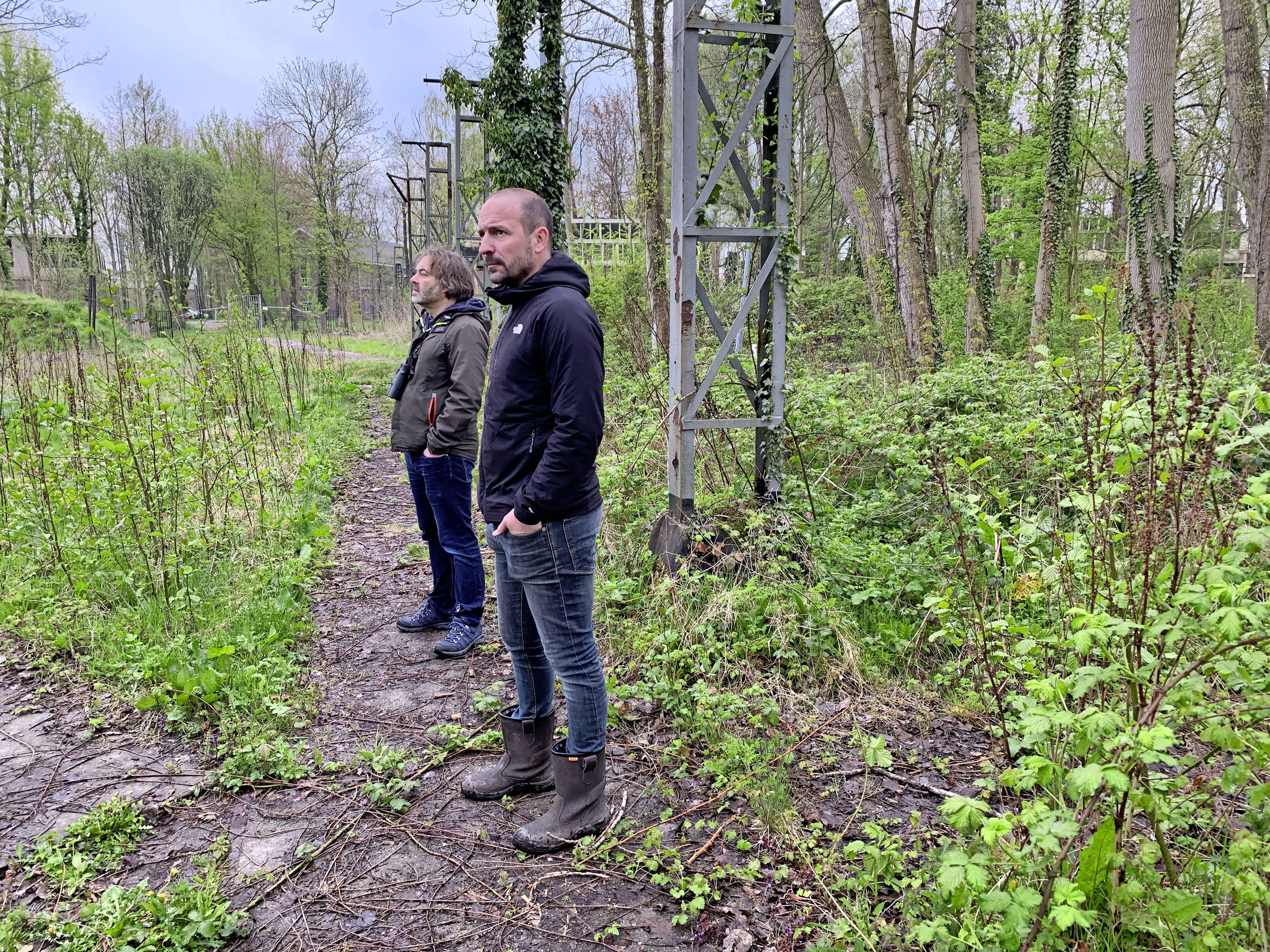 'Verboden' Hembrugbos blijft voorlopig nog op slot: 'Dit is uniek. Het bos van Zaanstad. Hier is geen plek voor barbecueveldjes'