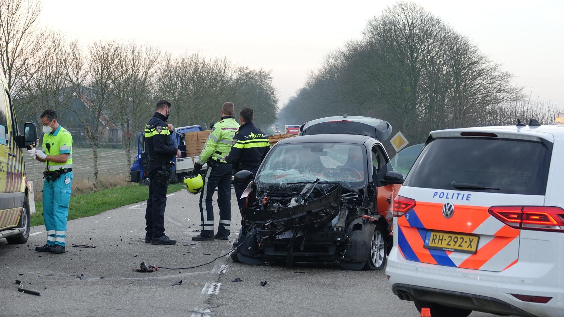 Twee gewonden door ernstig verkeersongeval Slootdorp