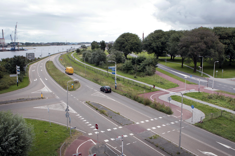 Gevaarlijkste kruising van IJmuiden: Kanaaldijk met Geul