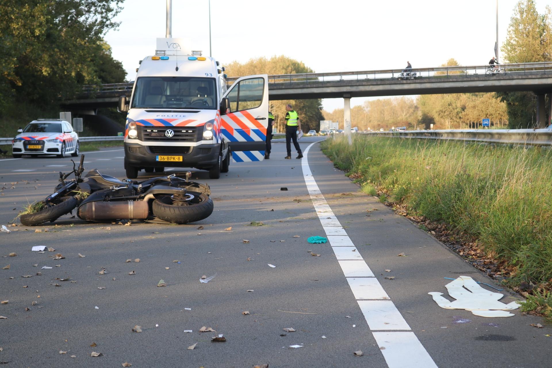Motorrijder botst op andere motor in Katwijk en raakt zwaargewond